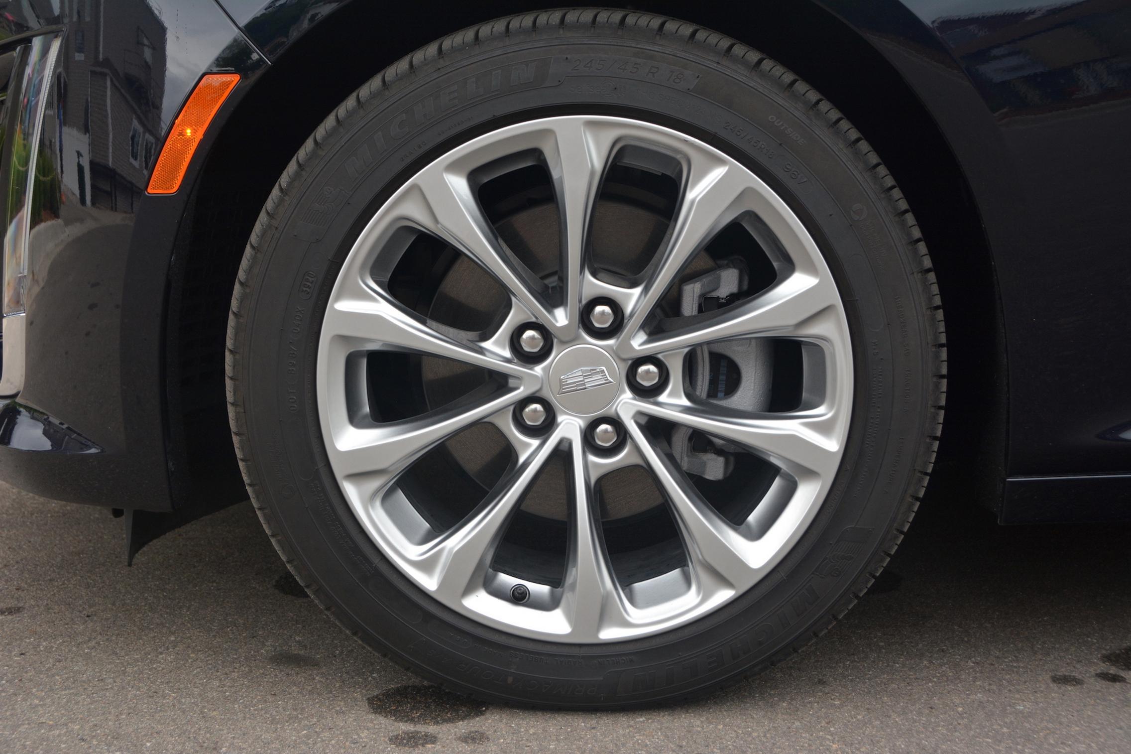 2021 Cadillac CT5 wheels