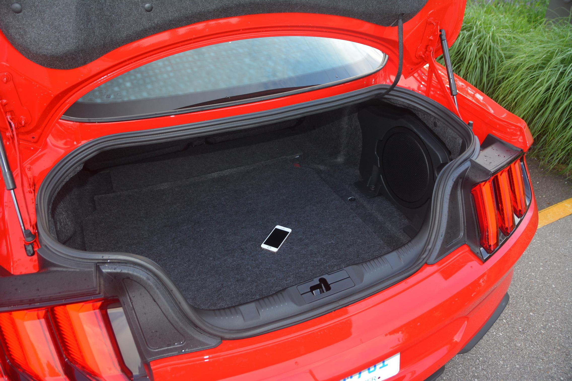 2021 Ford Mustang EcoBoost trunk