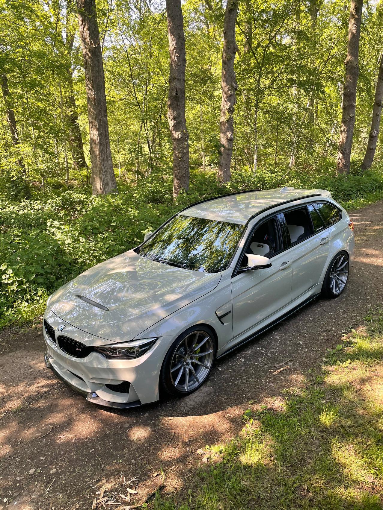 BMW M3 CS Touring specs