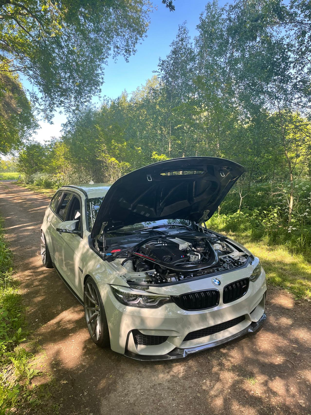 BMW M3 CS engine
