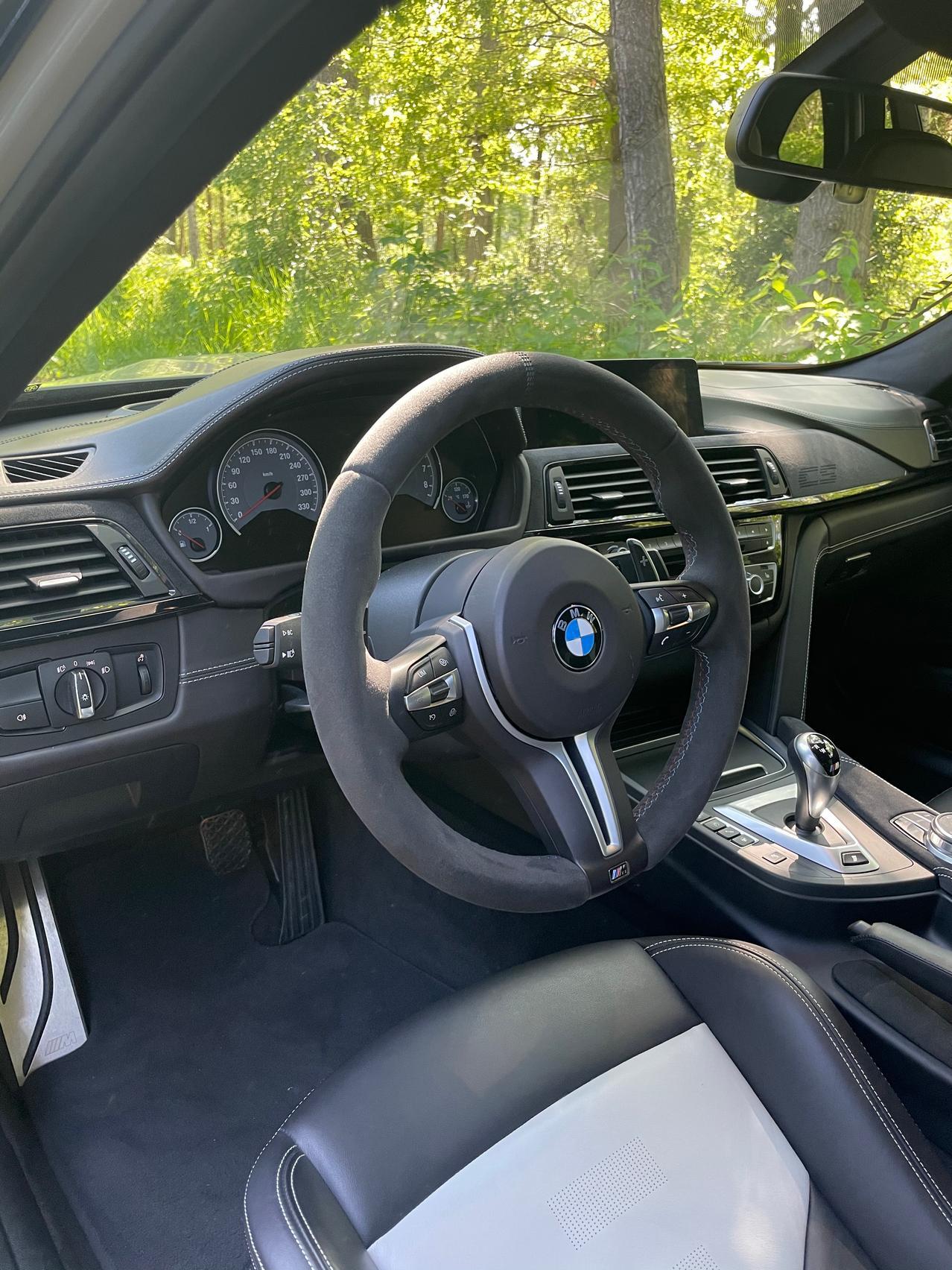 BMW M3 CS interior