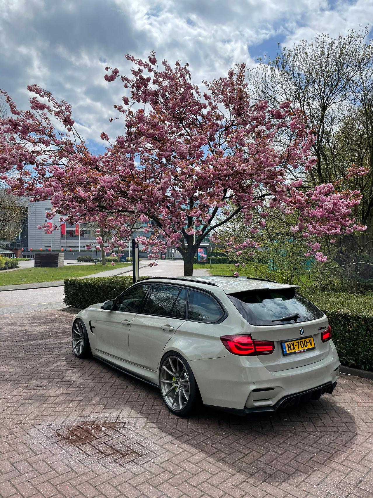 BMW M3 CS wallpaper