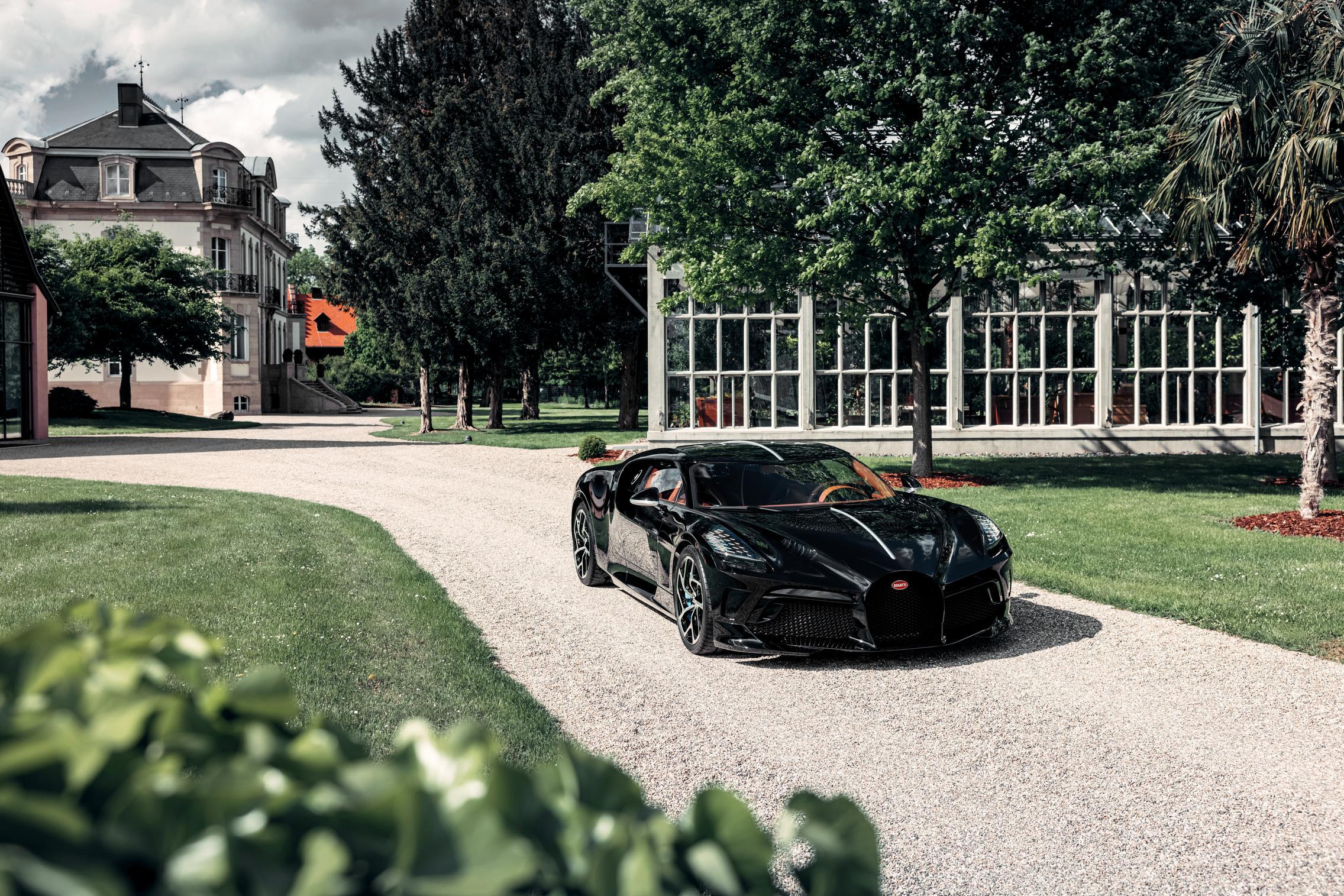 Bugatti La Voiture Noire black