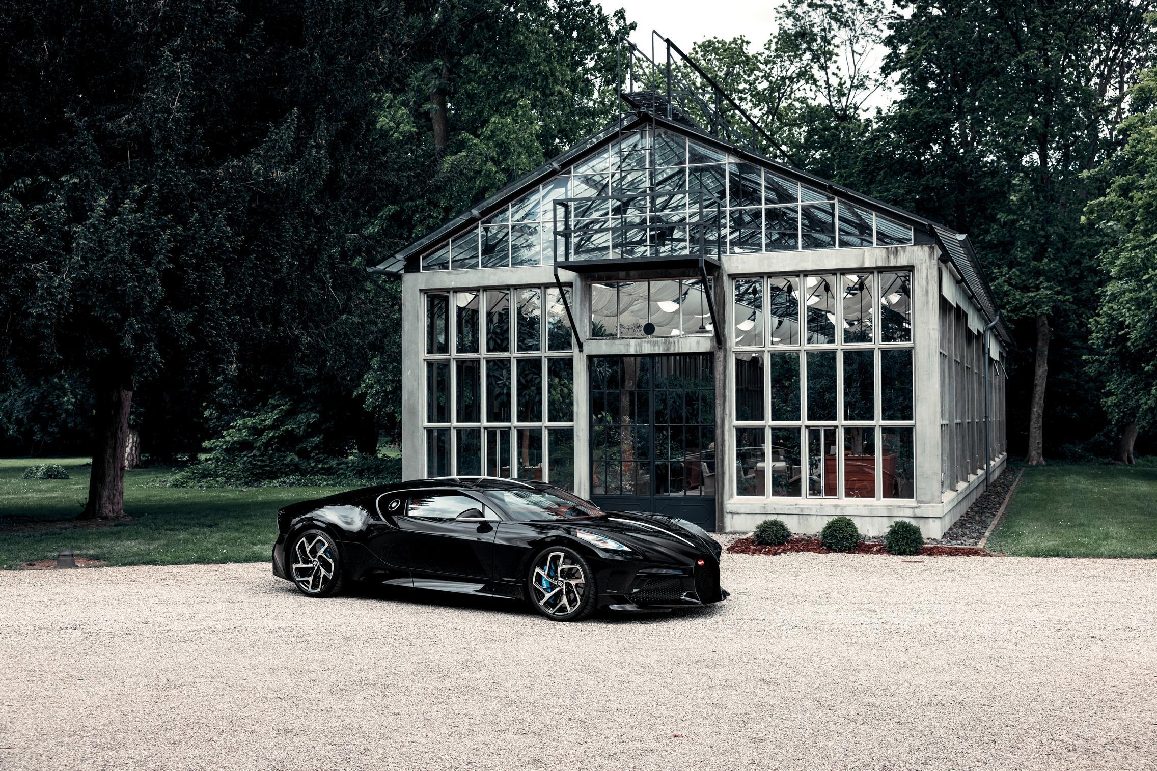 Bugatti La Voiture Noire specs'