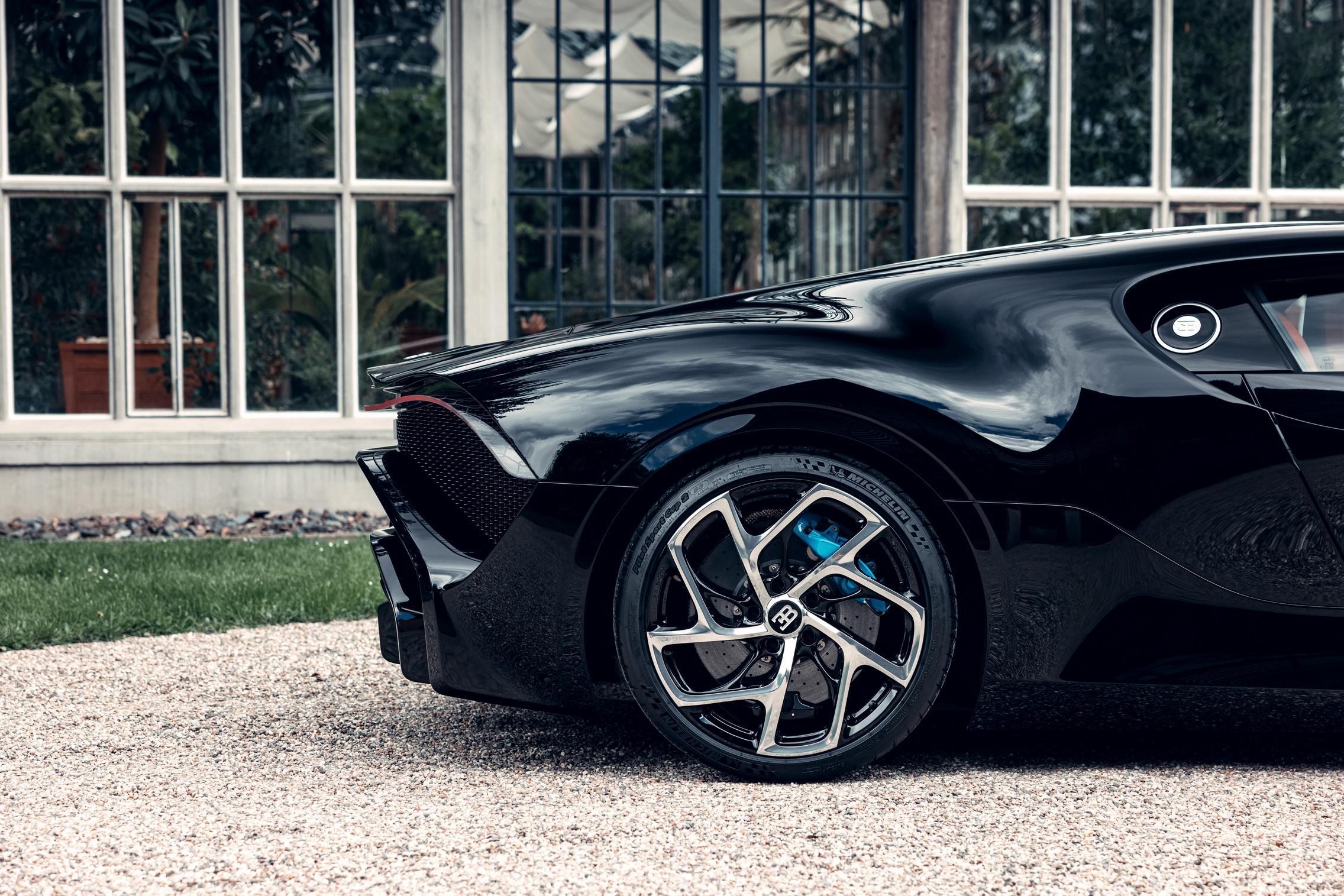 Bugatti La Voiture Noire wheels