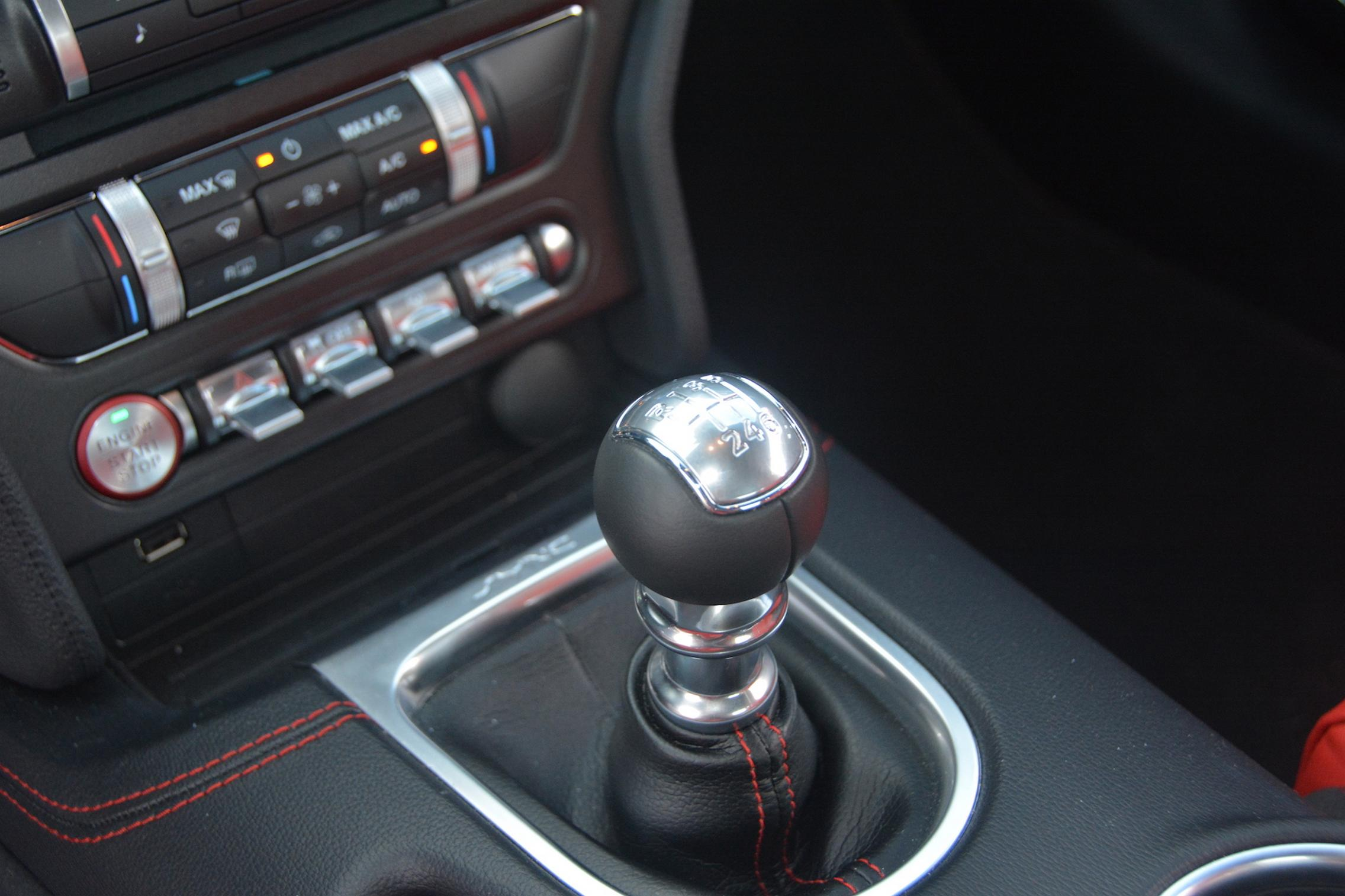 Manual Mustang
