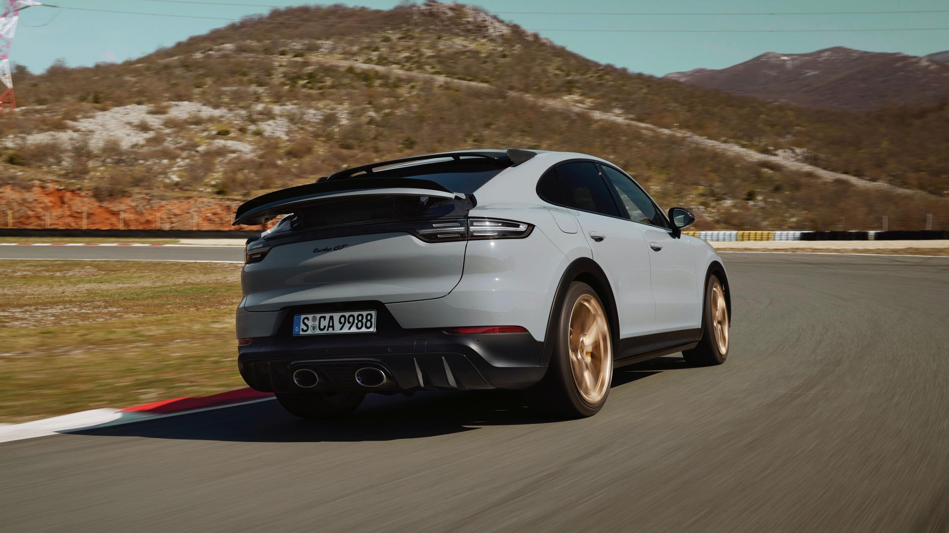 Fastest SUV on the Nurburgring: The new Porsche Cayenne Turbo GT (Urus Rival)