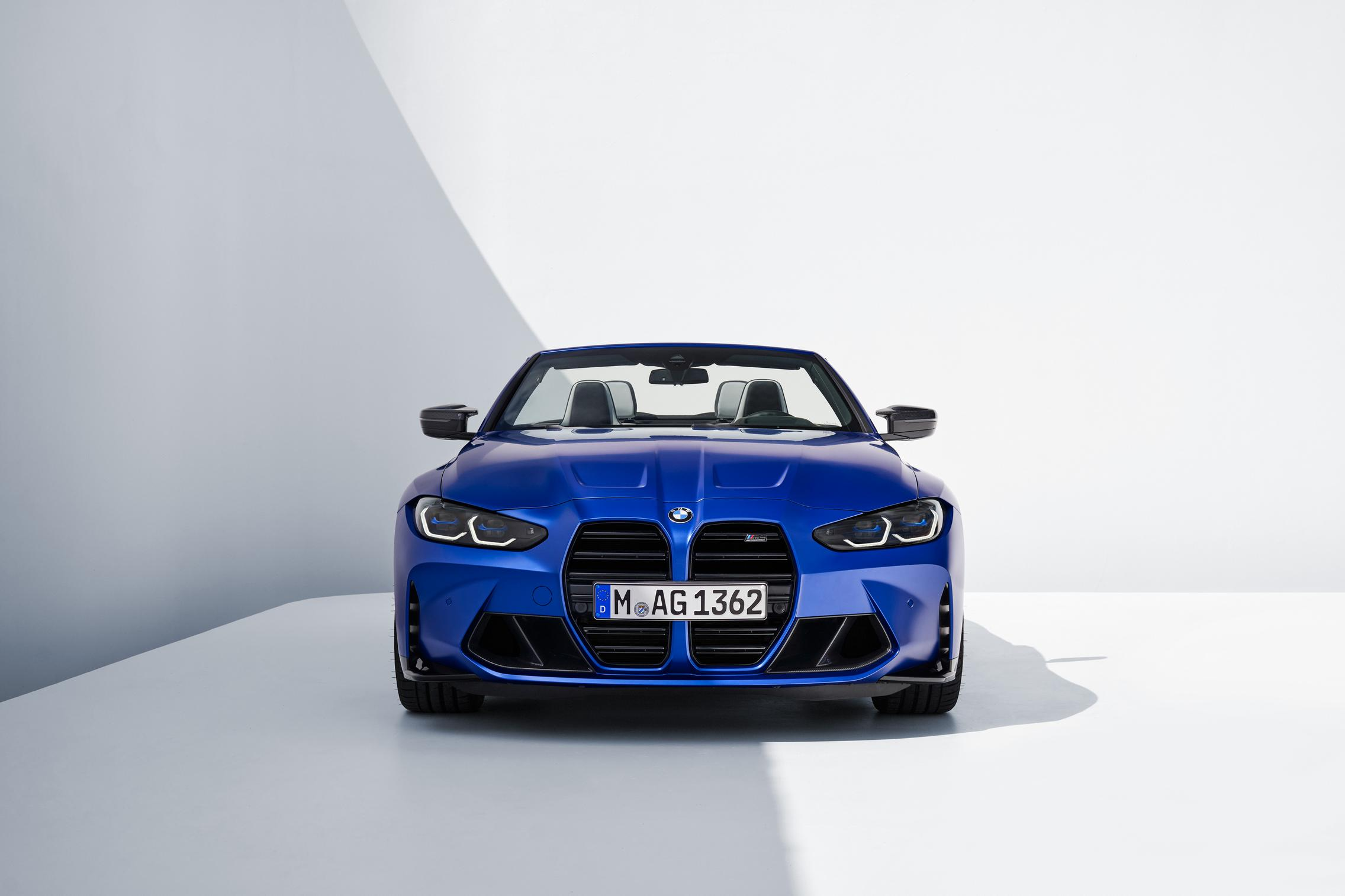 2022 BMW M3 Convertible front