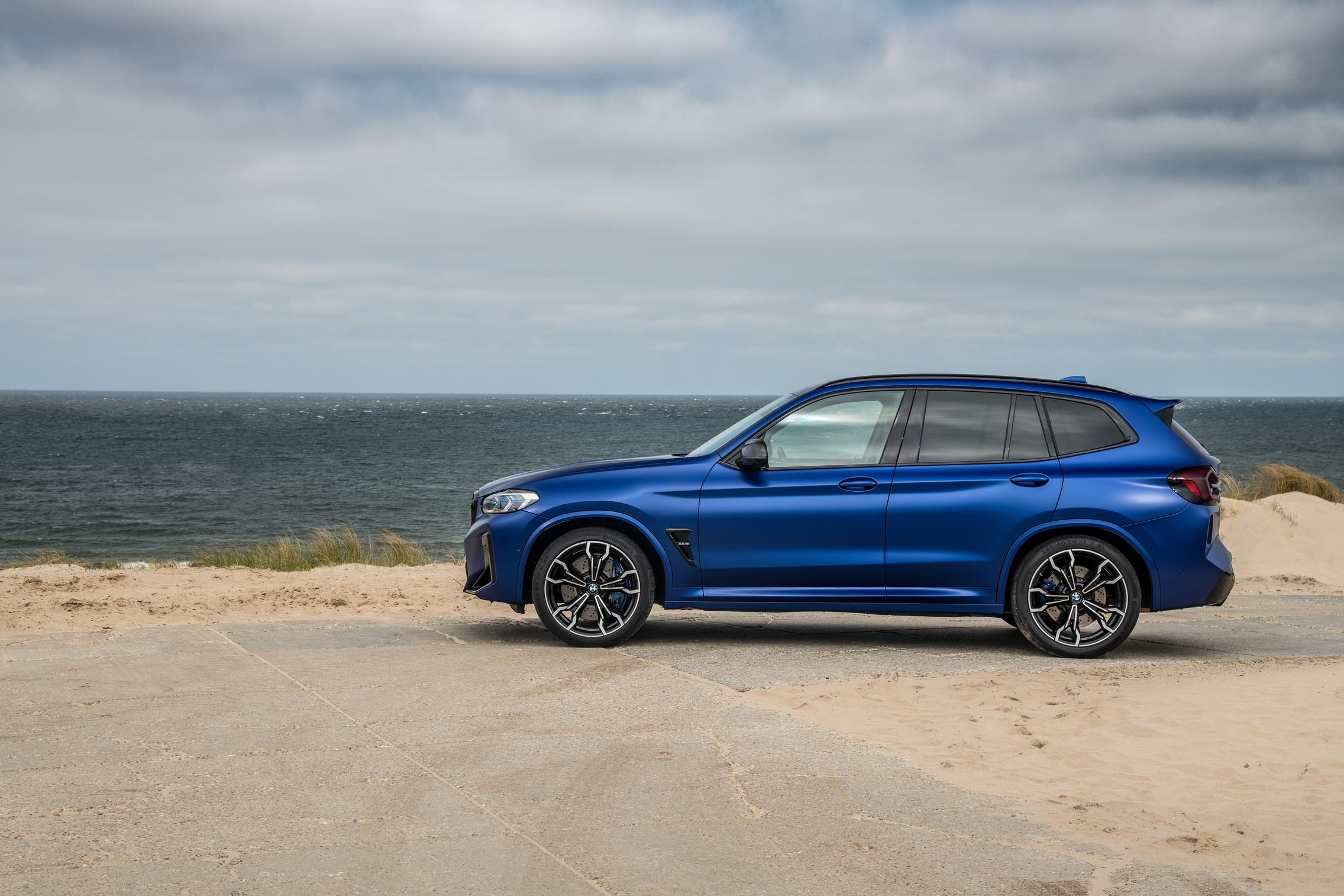 BMW X3 M Competition side