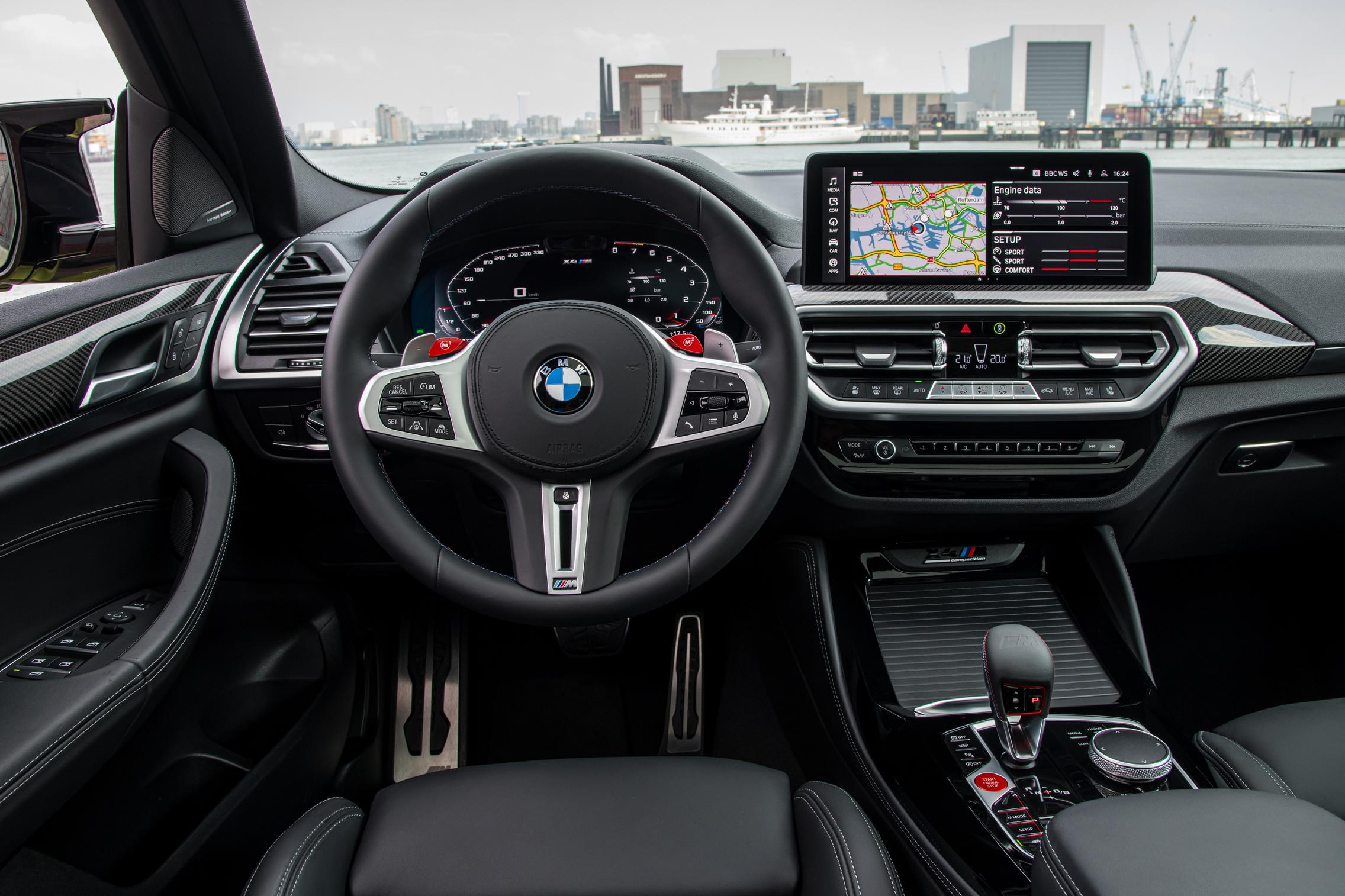 X4 M Competition interior