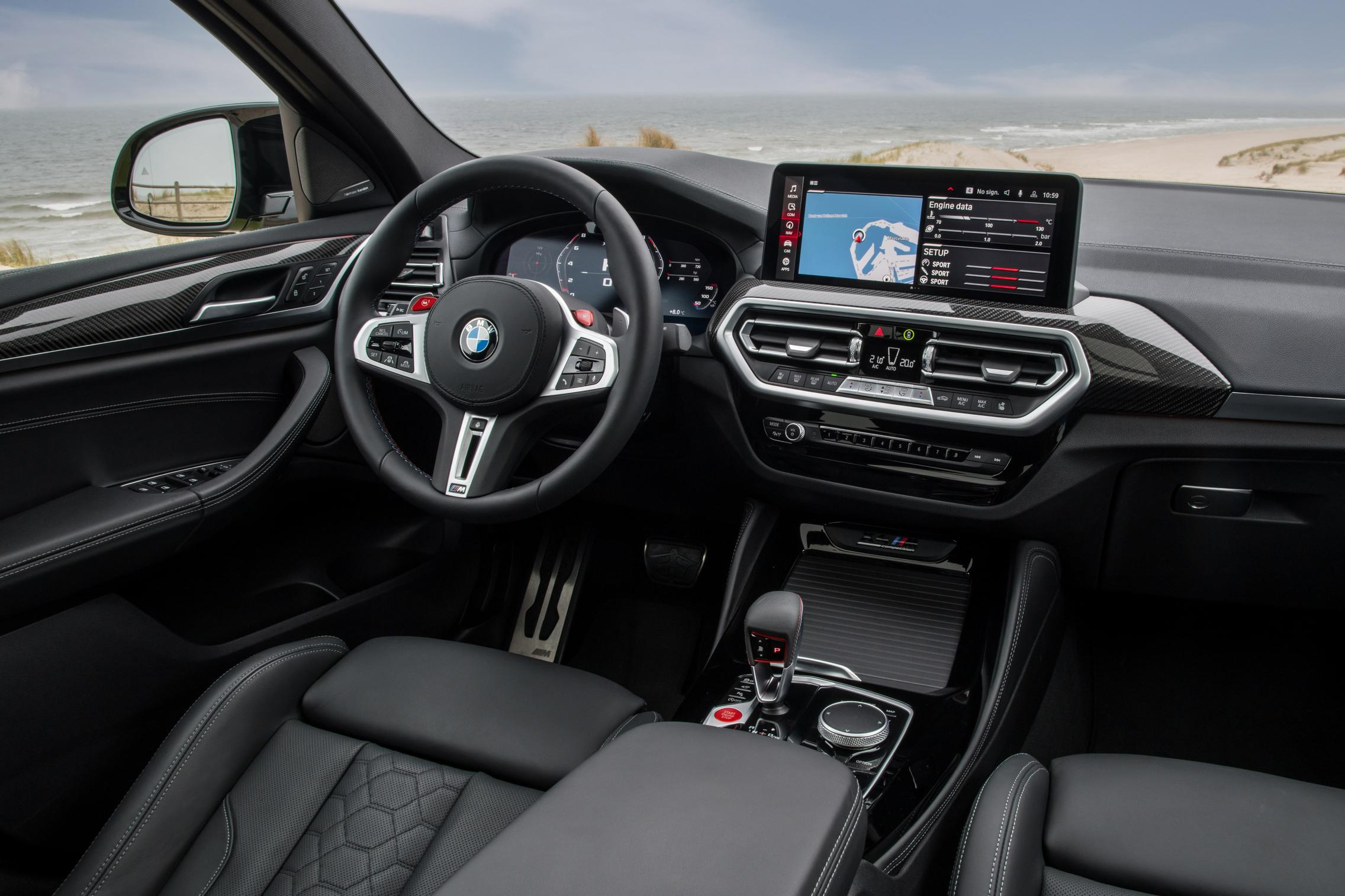 X4 M Competition cabin