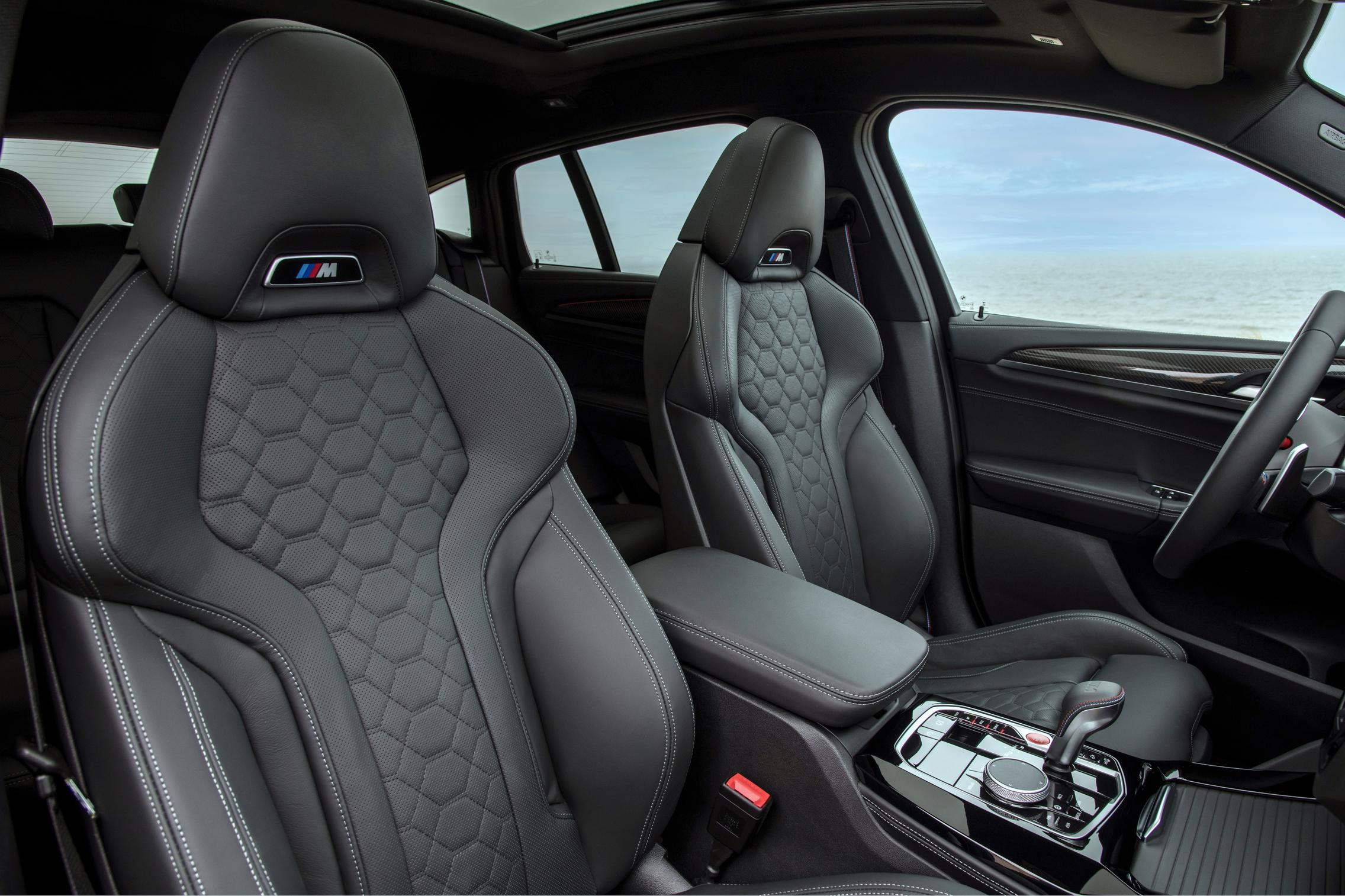 X4 M Competition seats