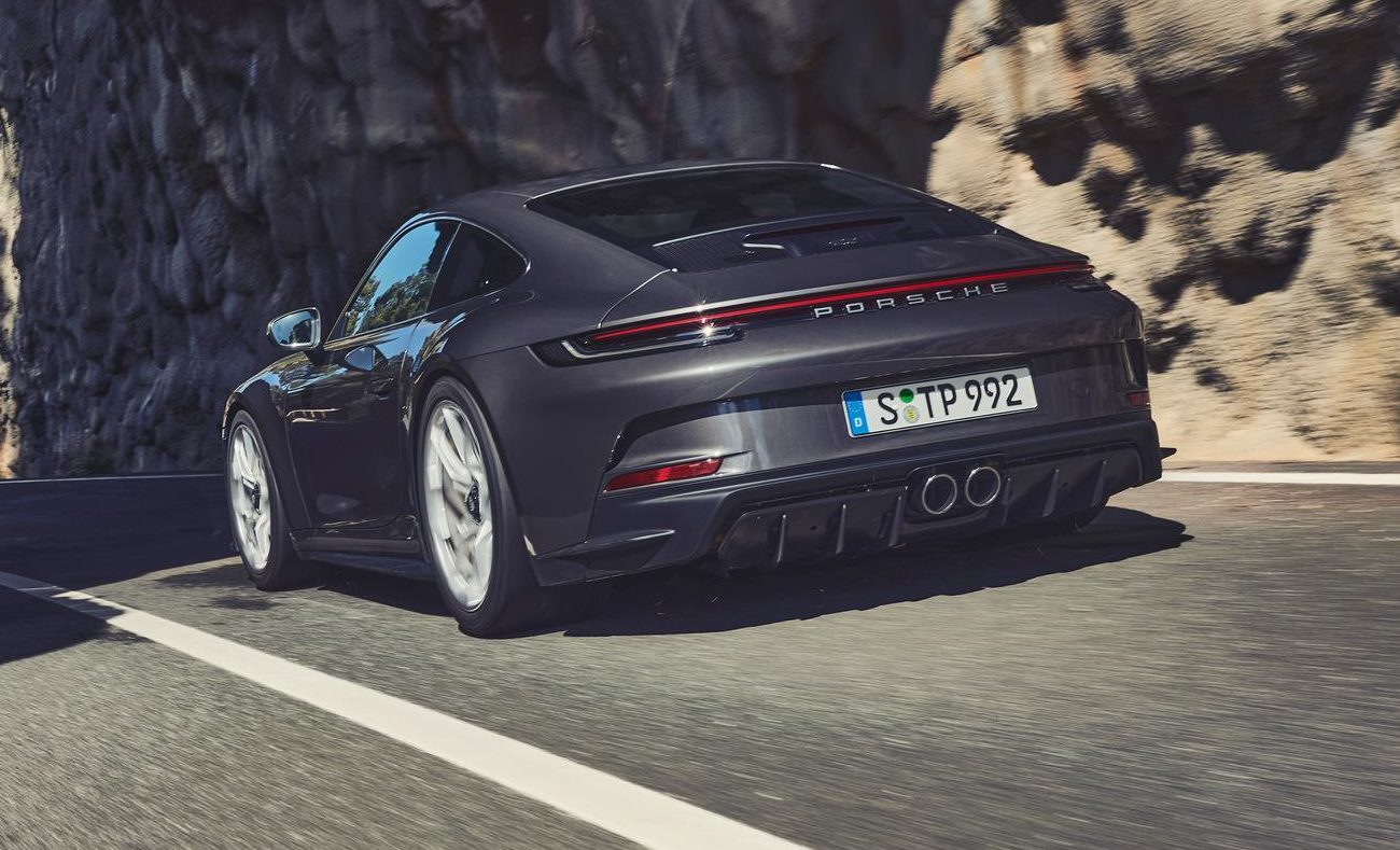 2022 Porsche 911 GT3 Touring Revealed – PDK Now Available