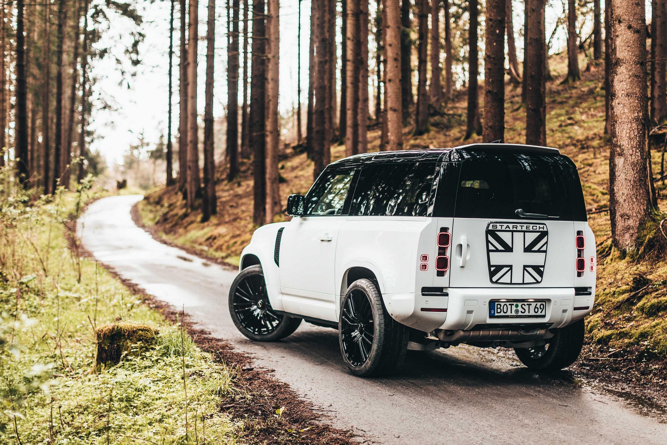 Startech Land Rover Defender 90 rear