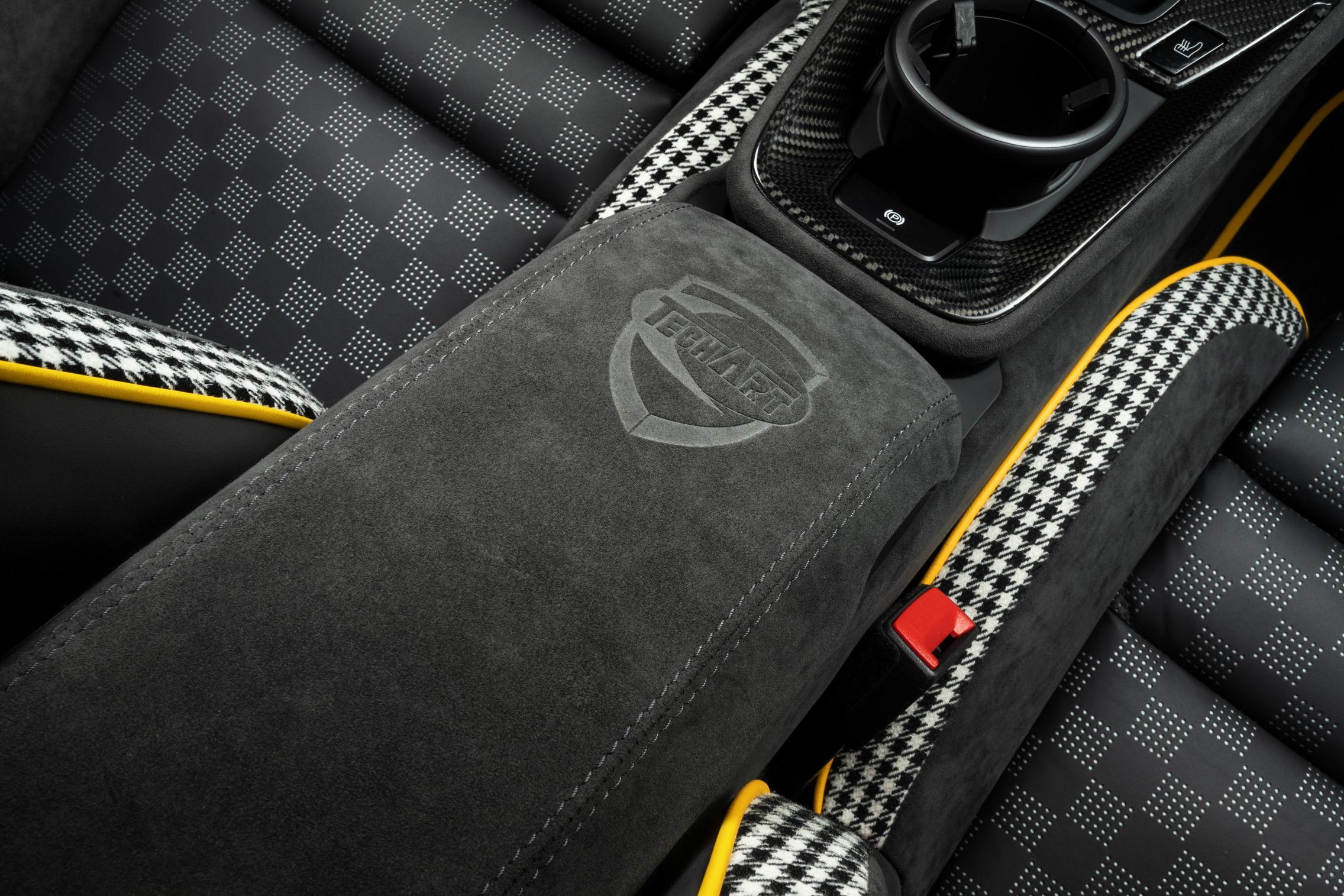 Techart GTstreet R armrest