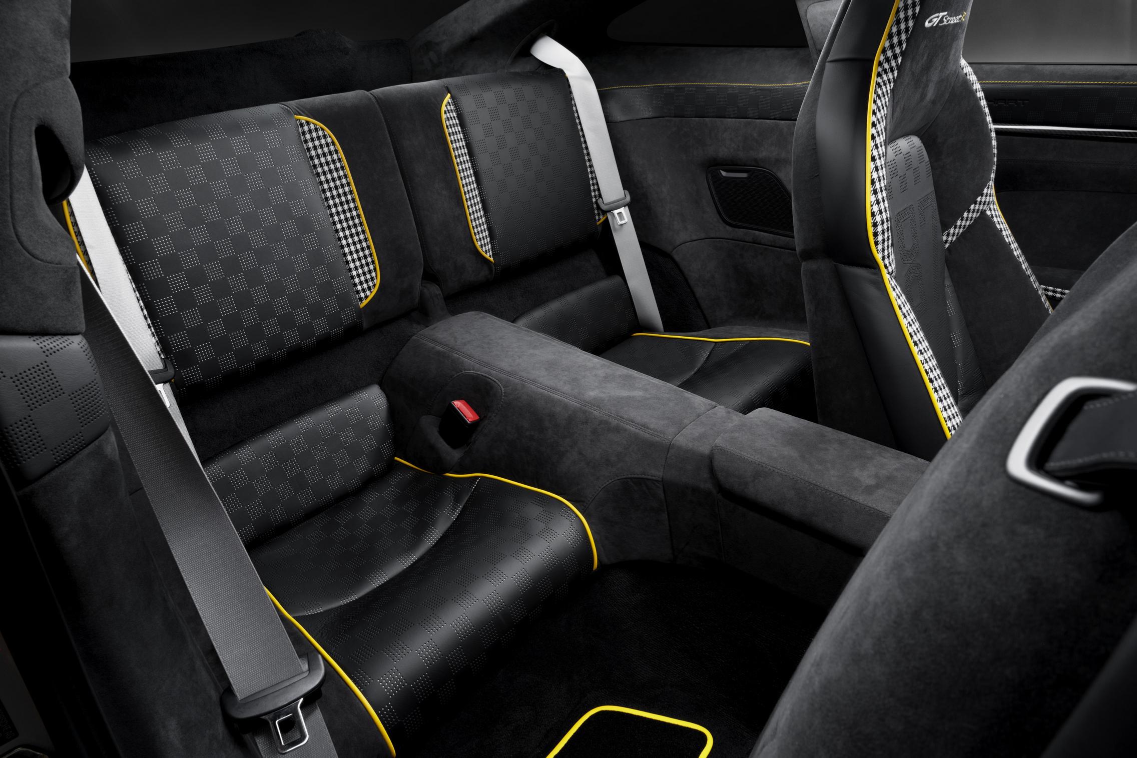 Techart GTstreet R rear seats