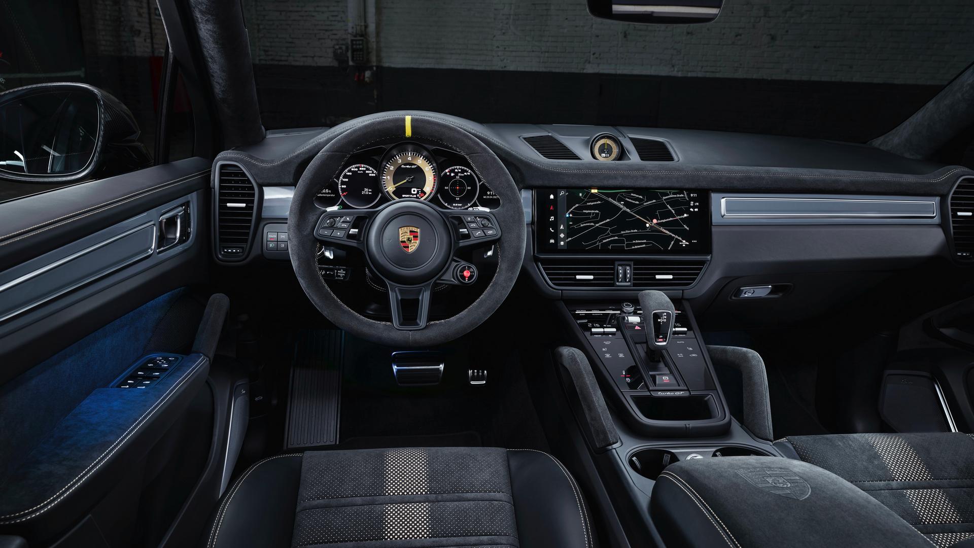 Porsche Cayenne Turbo GT steering wheel