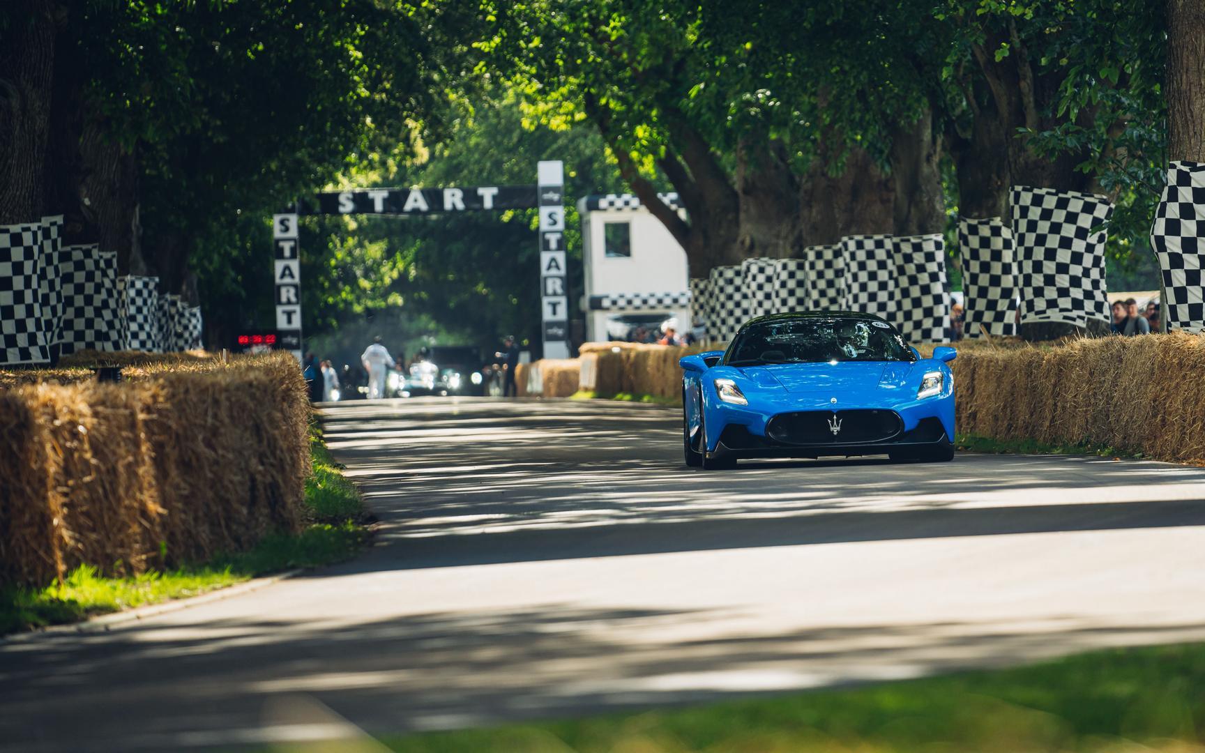 2022 Maserati MC20 blue