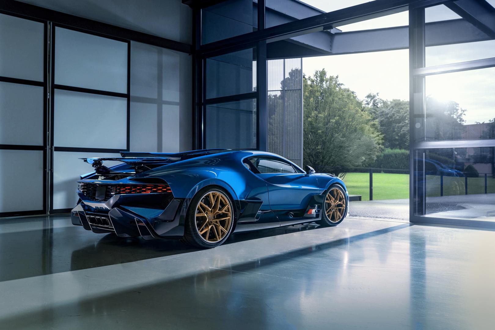 Bugatti Divo specs