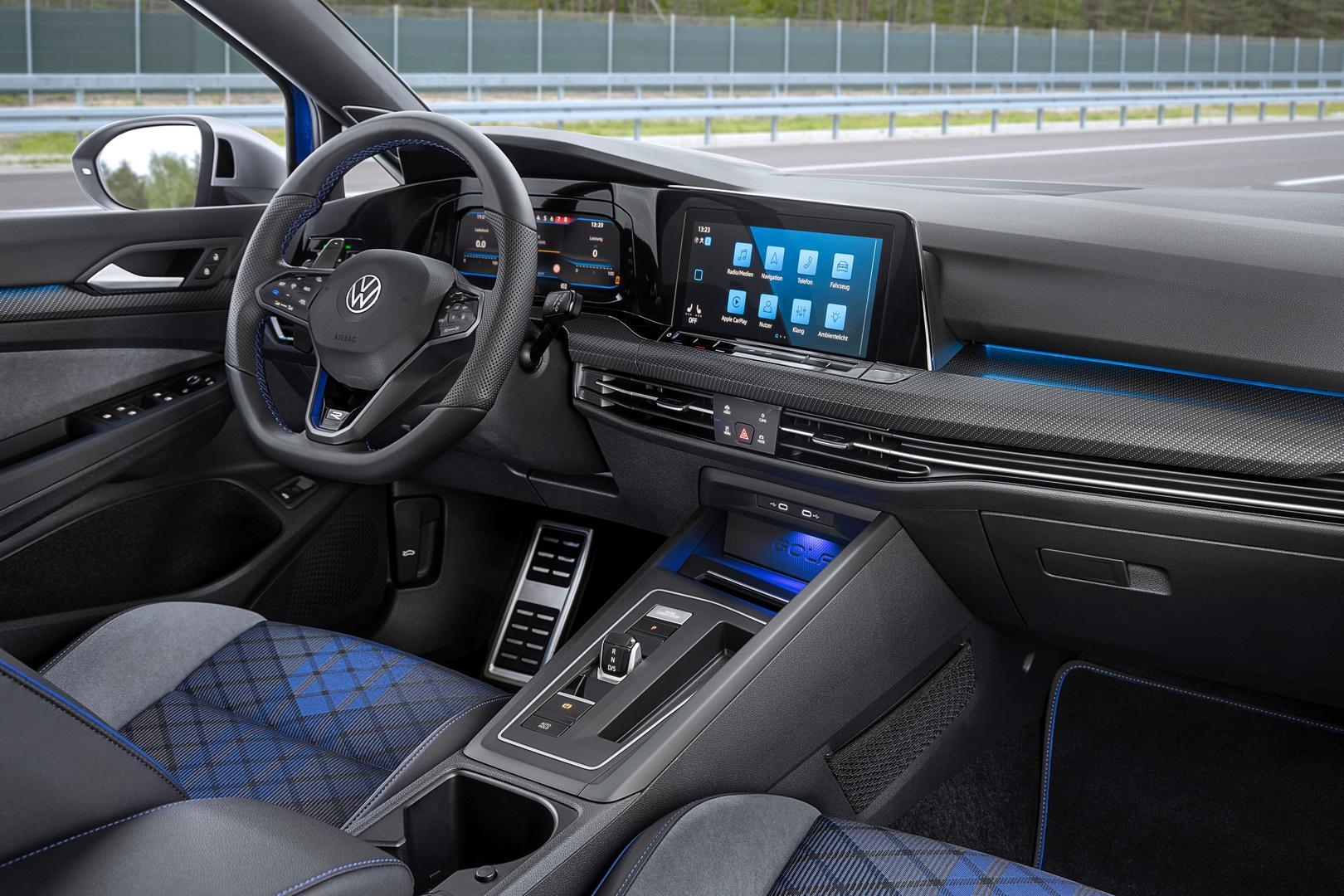 VW Golf 8 R Estate interior