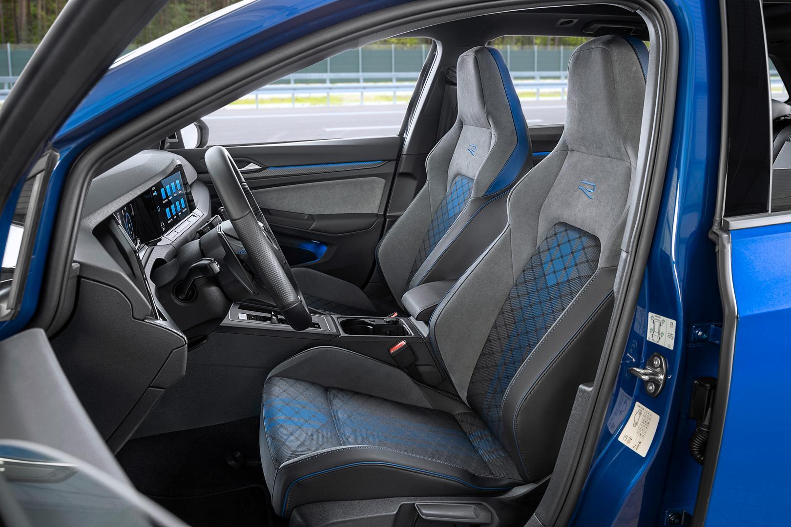 VW Golf 8 R Estate seats
