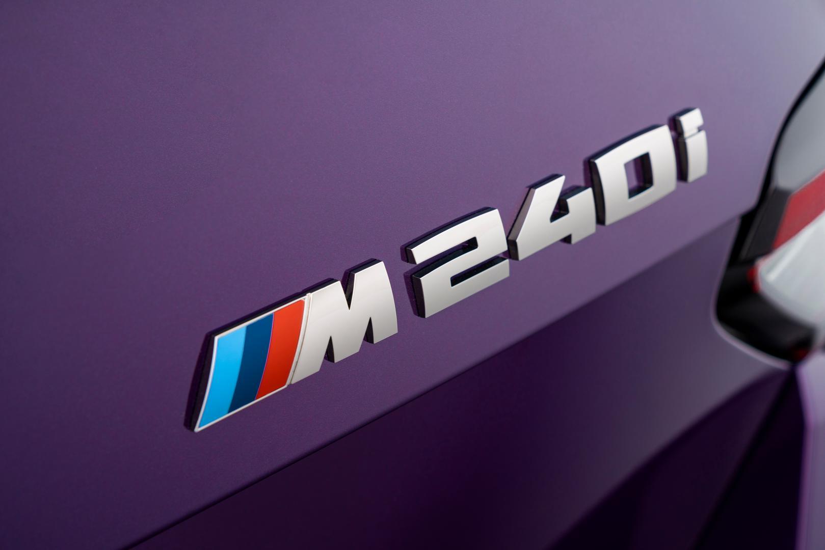 M240i Badge