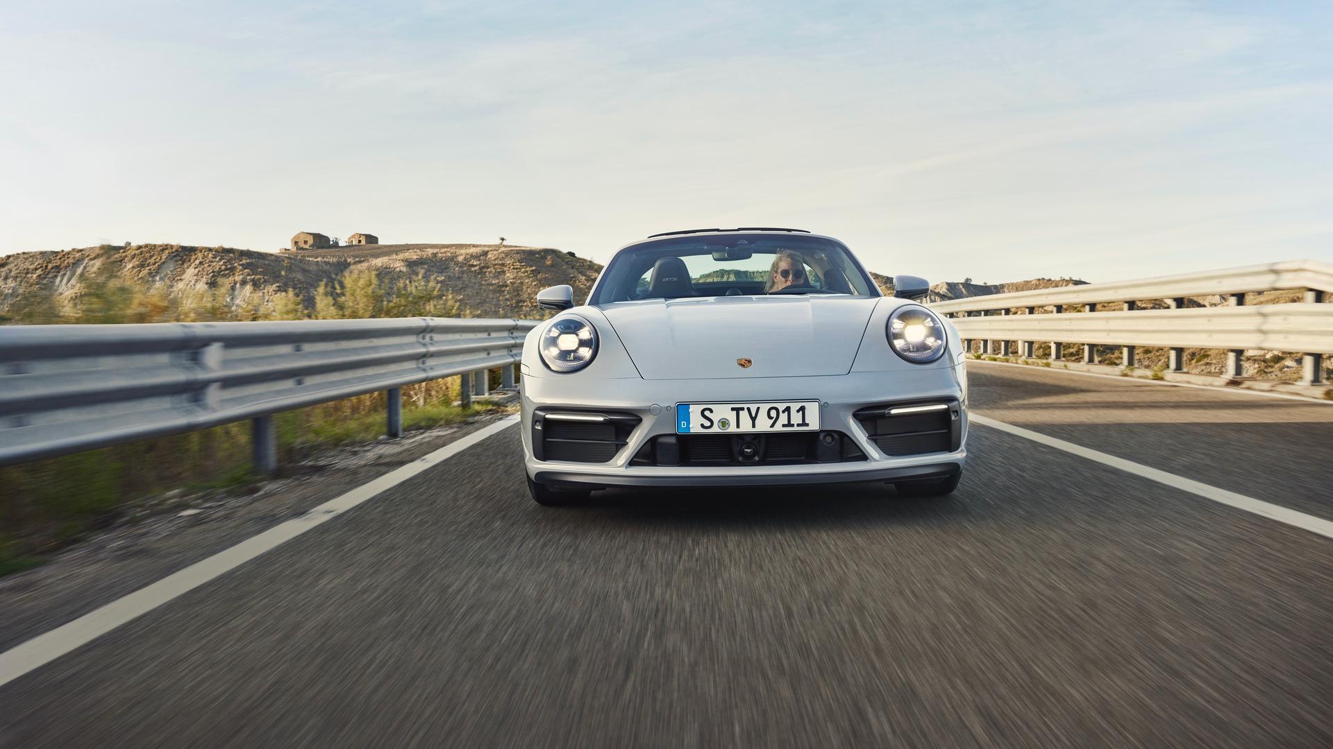 Porsche 911 GTS Convertible front