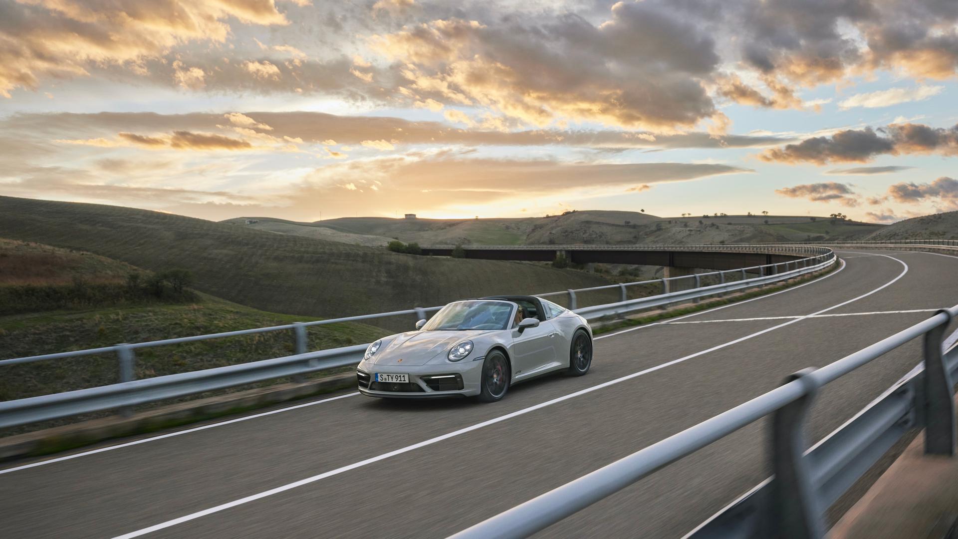 Porsche 911 GTS Convertible