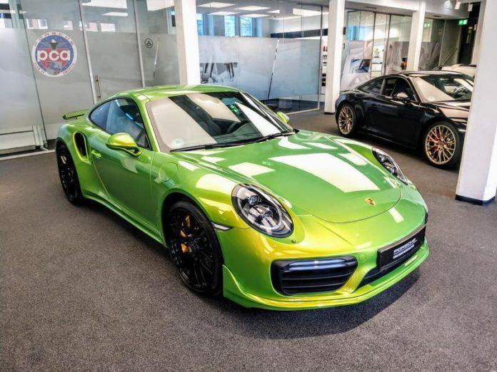 Porsche PTS Phyton Green Chromaflair