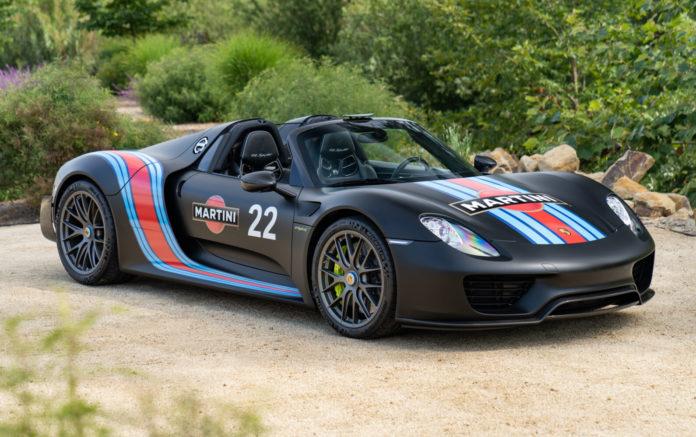 2015-Porsche-918-Spyder-Weissach