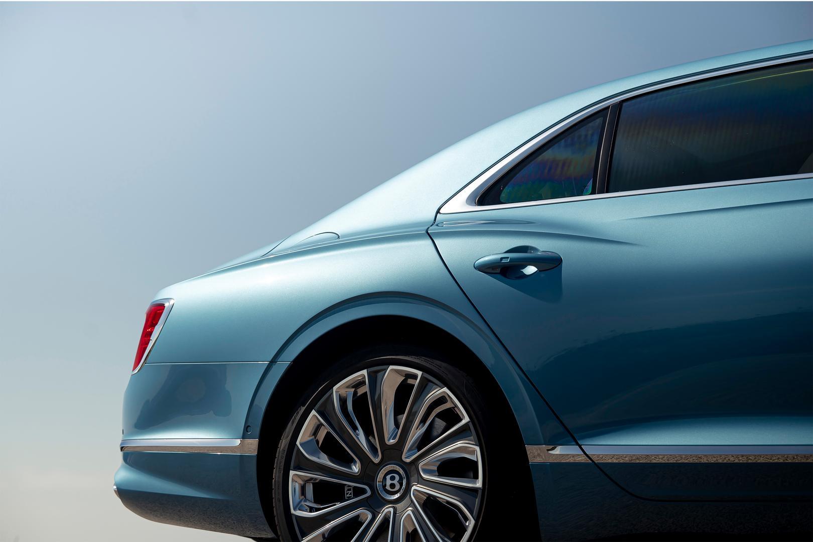 Bentley Flying Spur Mulliner wheels