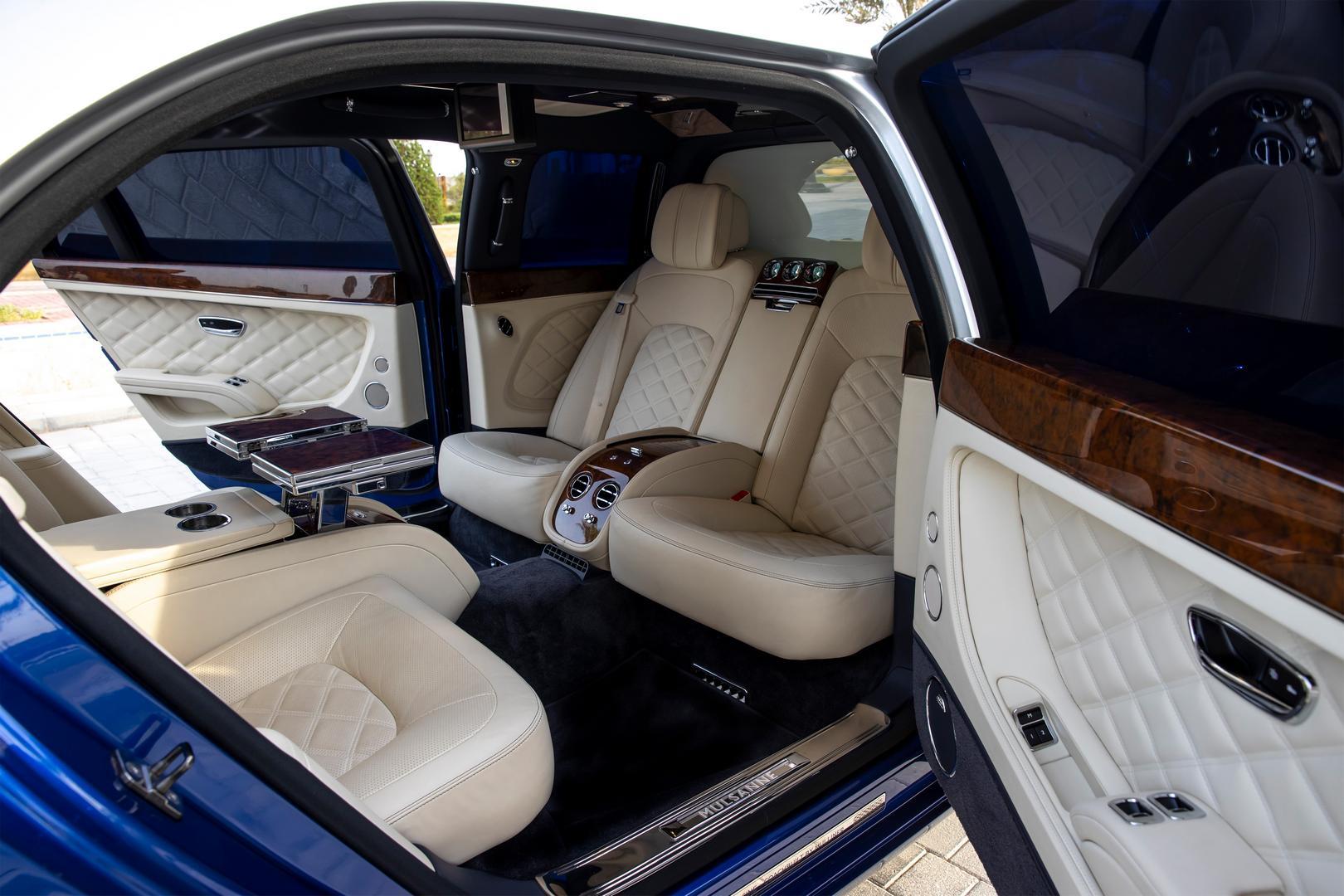 Bentley Mulsanne Grand Limousine seats