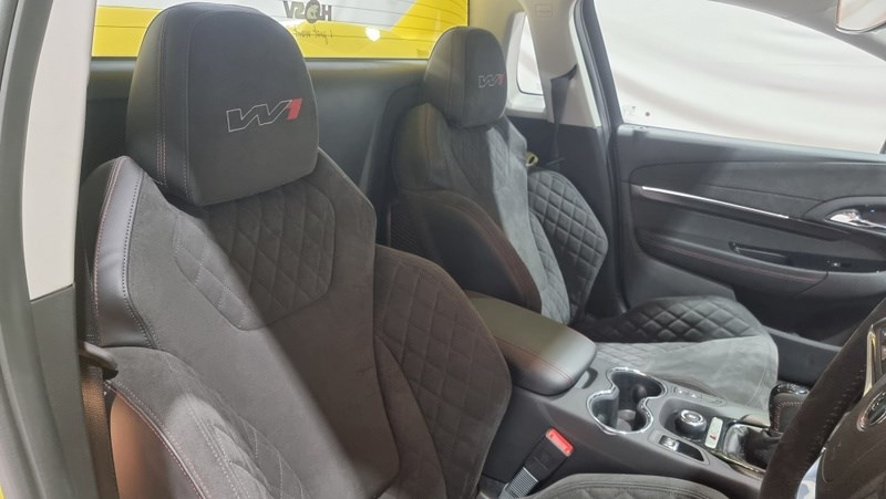 Holden HSV GTSR W1 seats