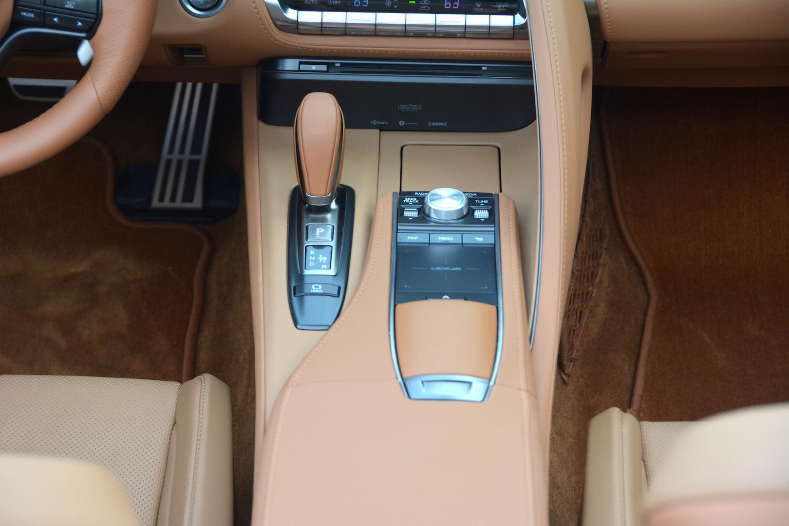 Lexus LC 500 Convertible center console