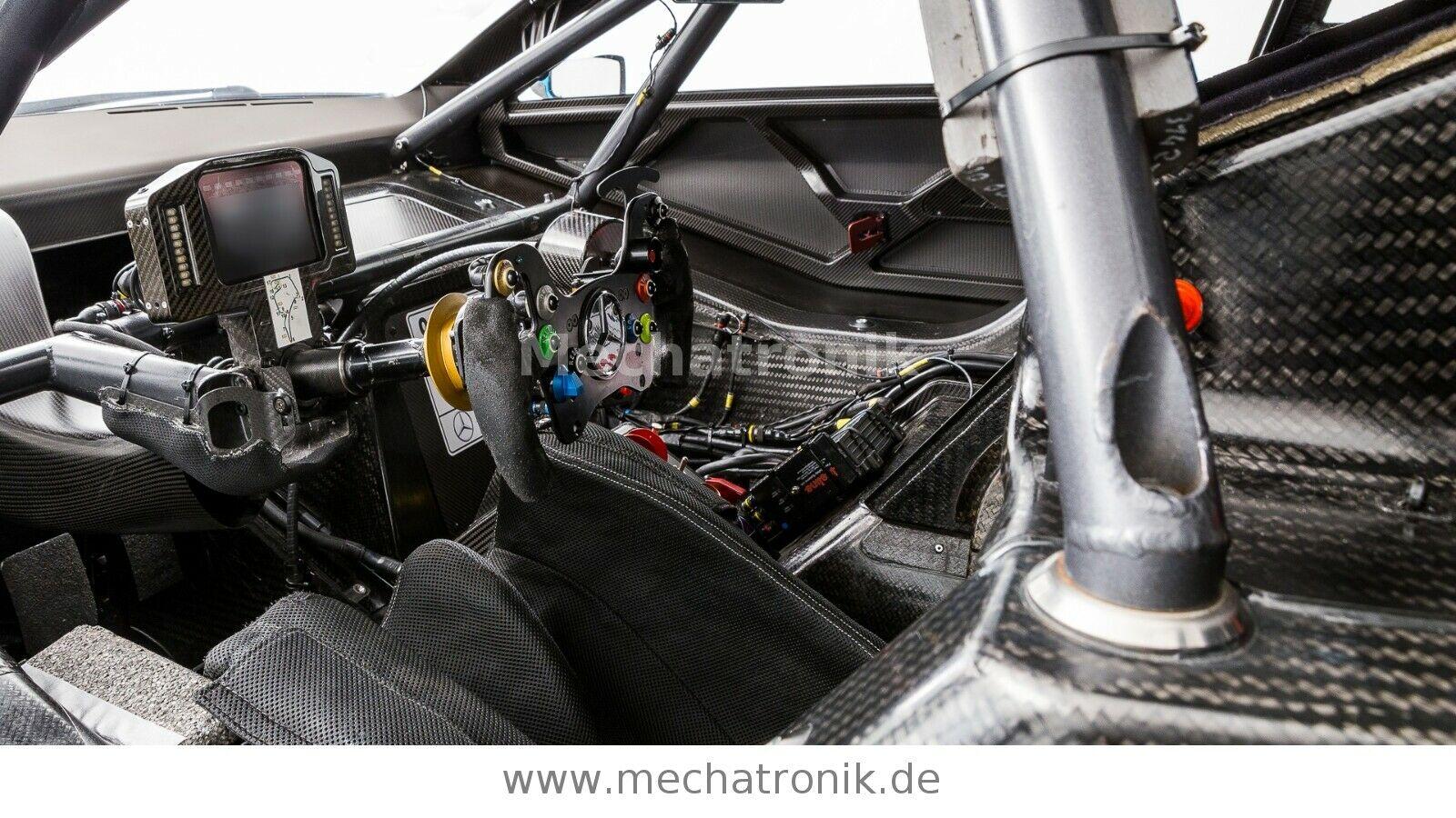 Mercedes-AMG C63 DTM interior
