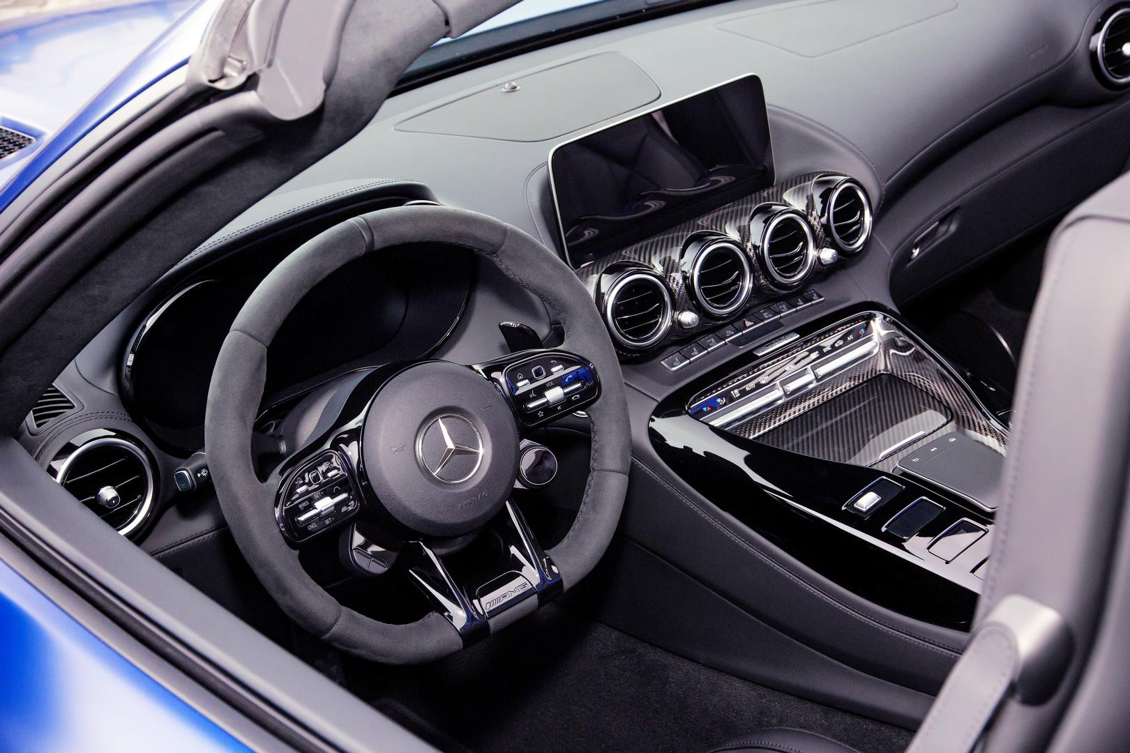 Mercedes-AMG GT R Roadster front steering wheel