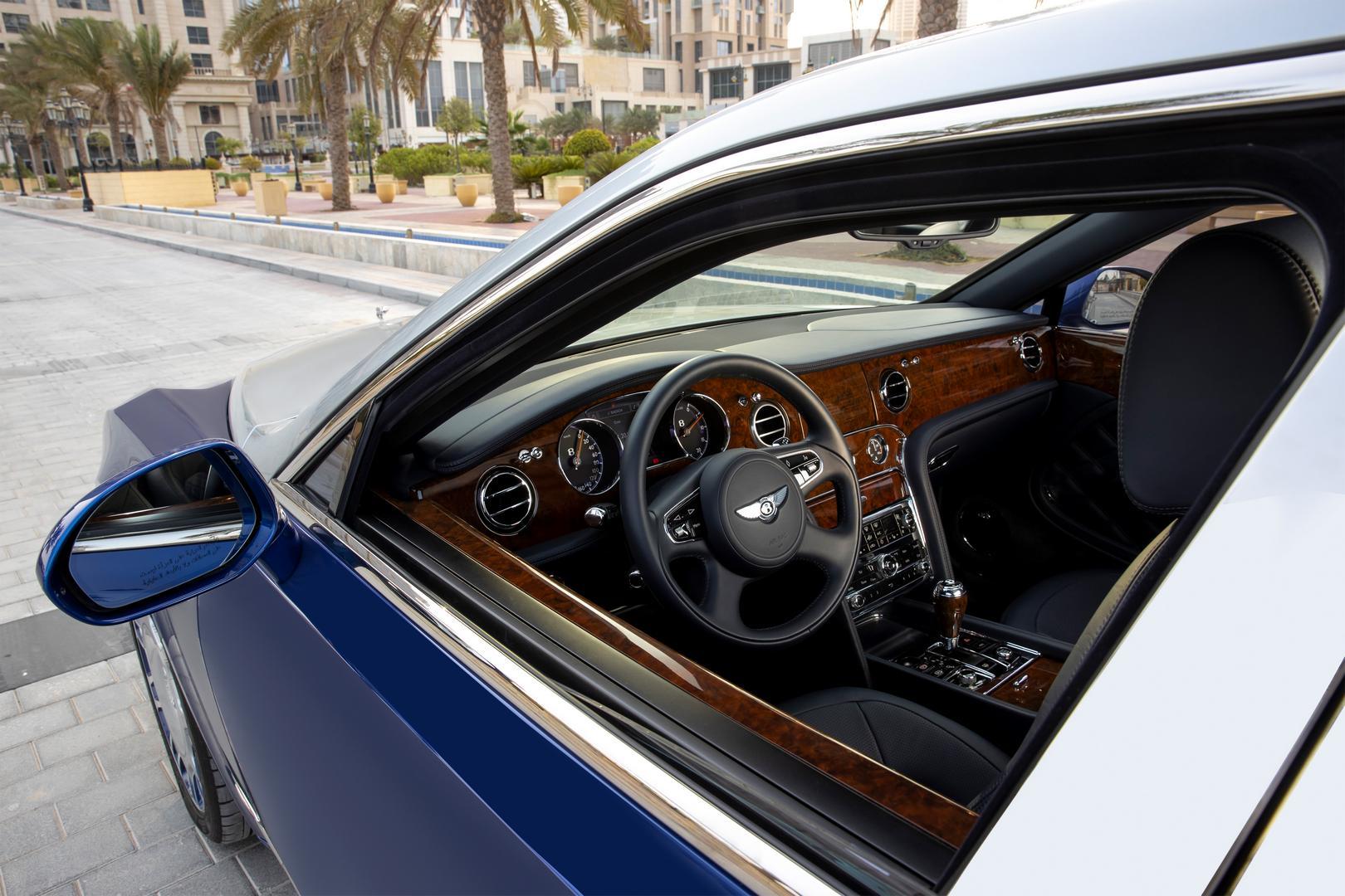 Bentley Mulsanne Grand Limousine cockpit