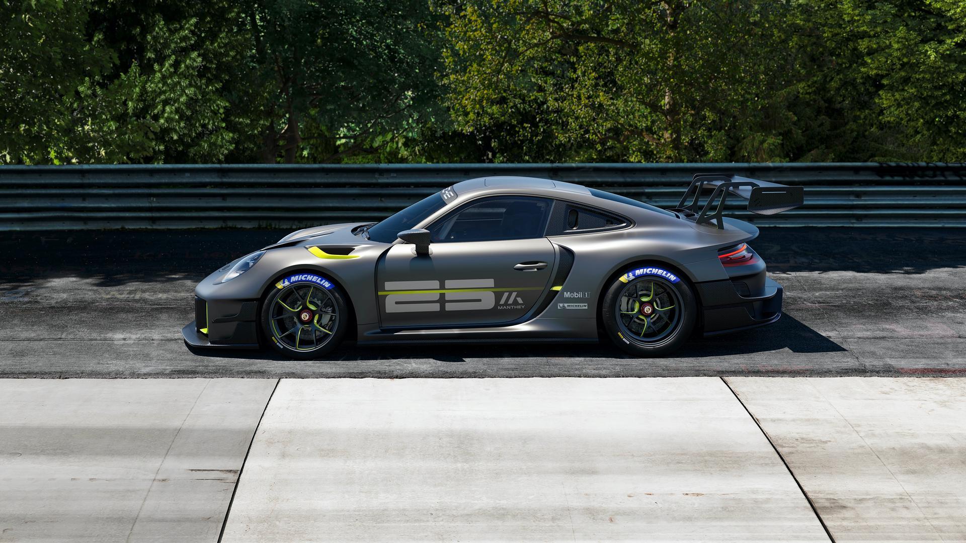 Porsche 911 GT2 RS Clubsport 25 side