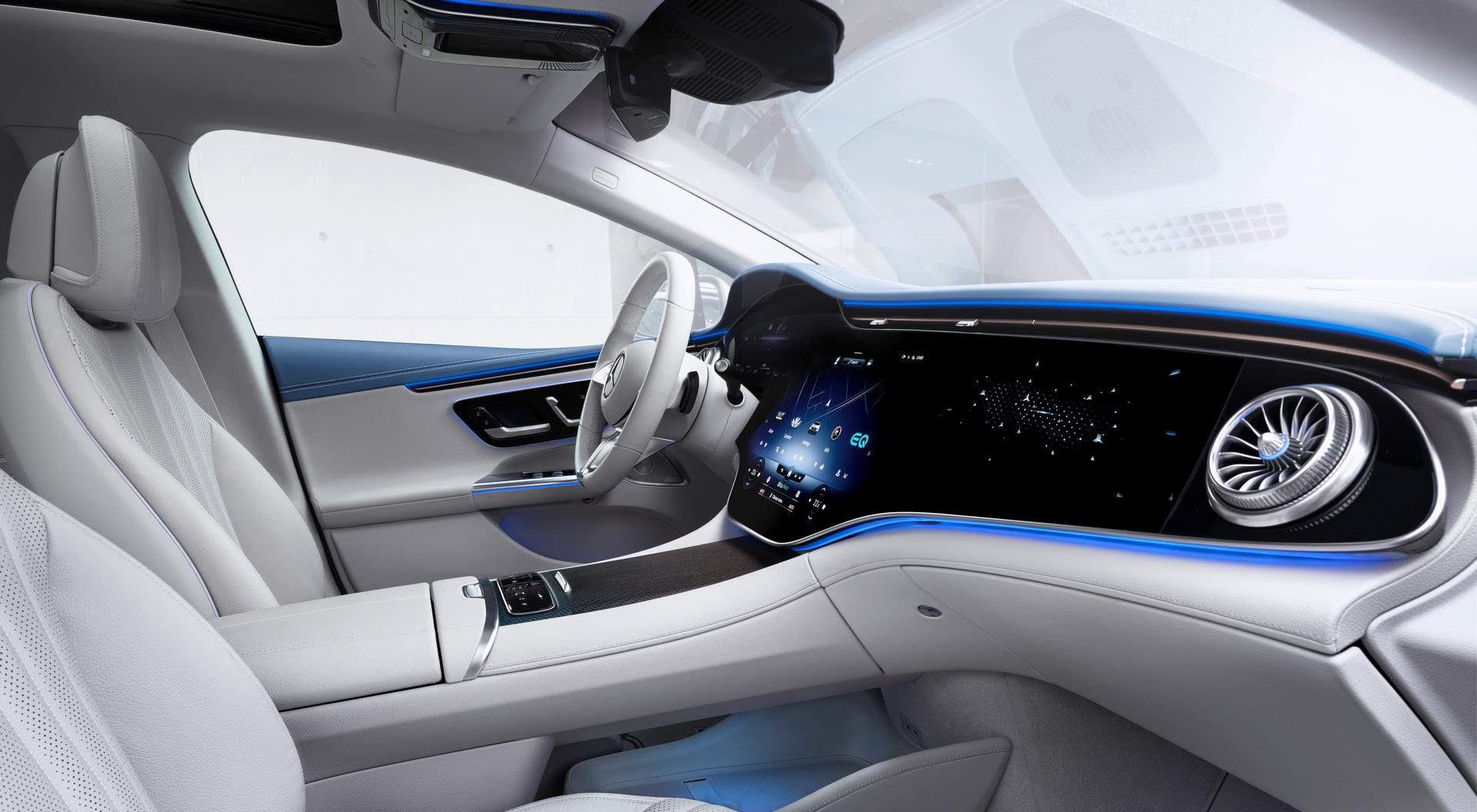 2022 Mercedes-Benz EQE cabin