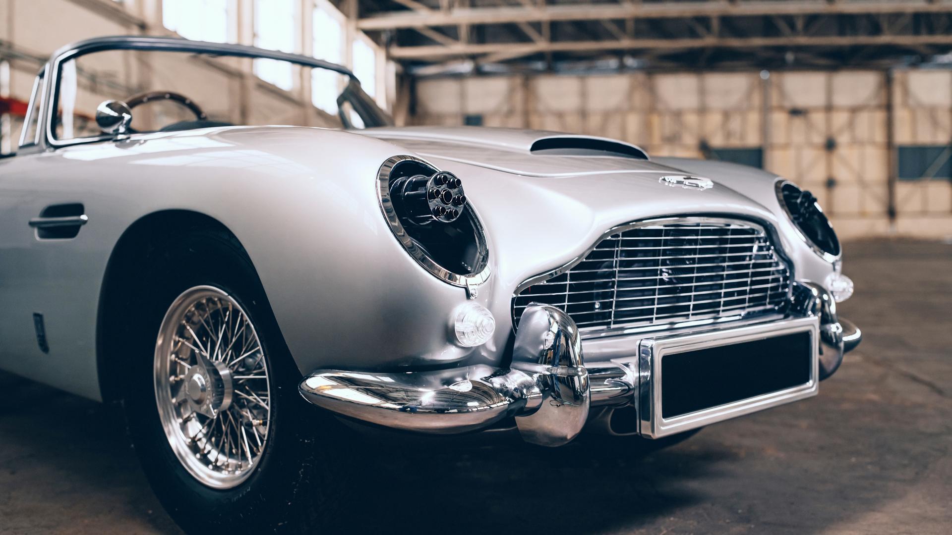 Aston Martin DB5 Junior headlights