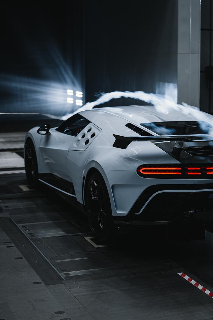 Bugatti Centodieci taillights