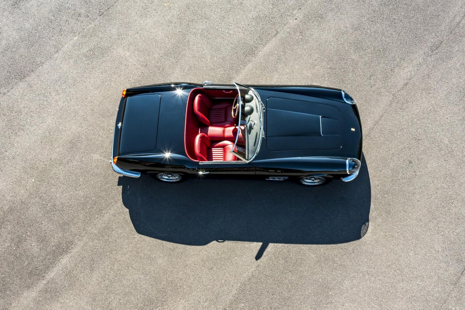 GTO Engineering California Spyder Revival interior