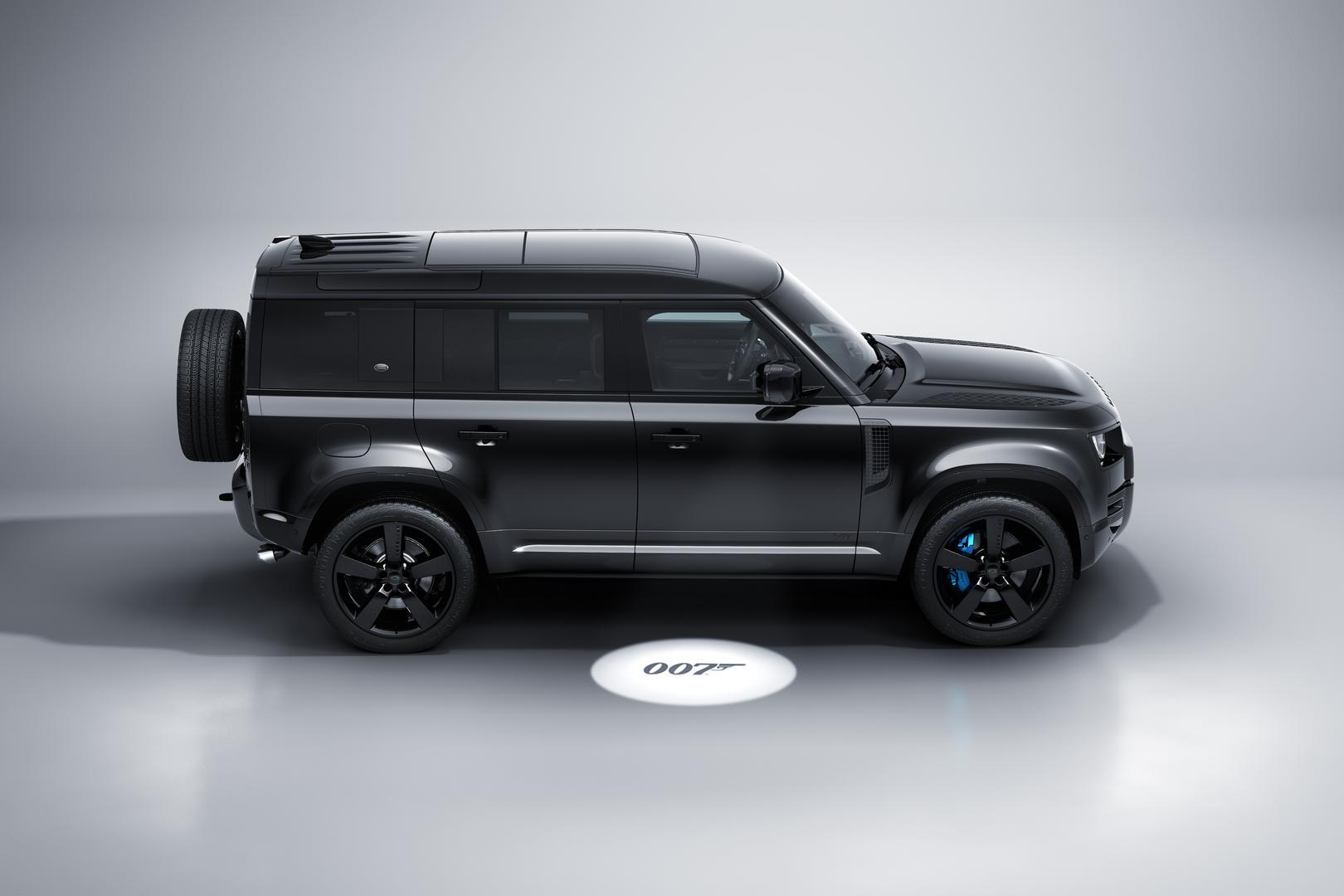 Land Rover Defender V8 Bond Edition side