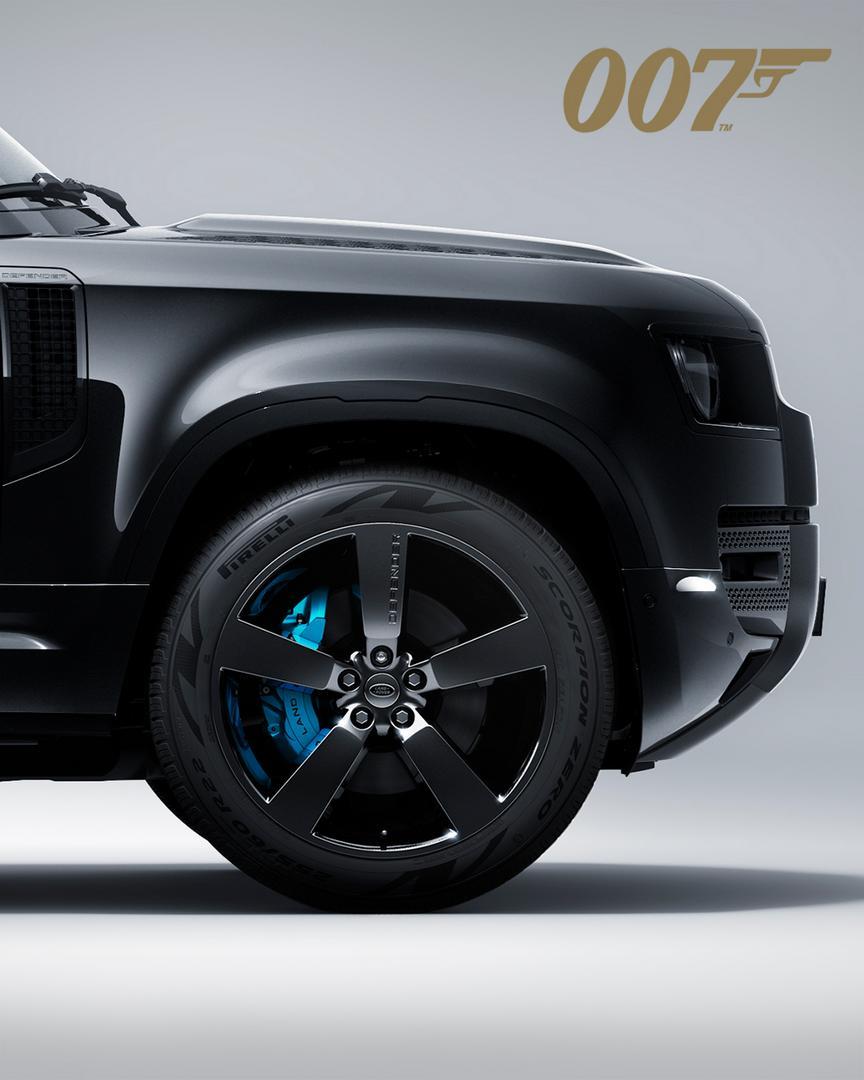 Land Rover Defender V8 Bond Edition wheels