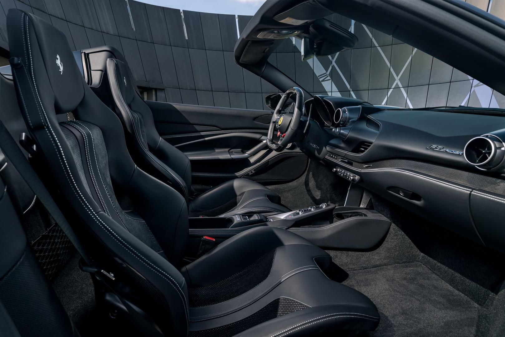 Novitec Ferrari F8 Spider interior