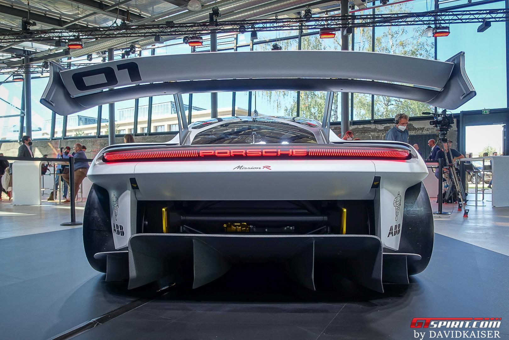 Porsche Mission R rear wing