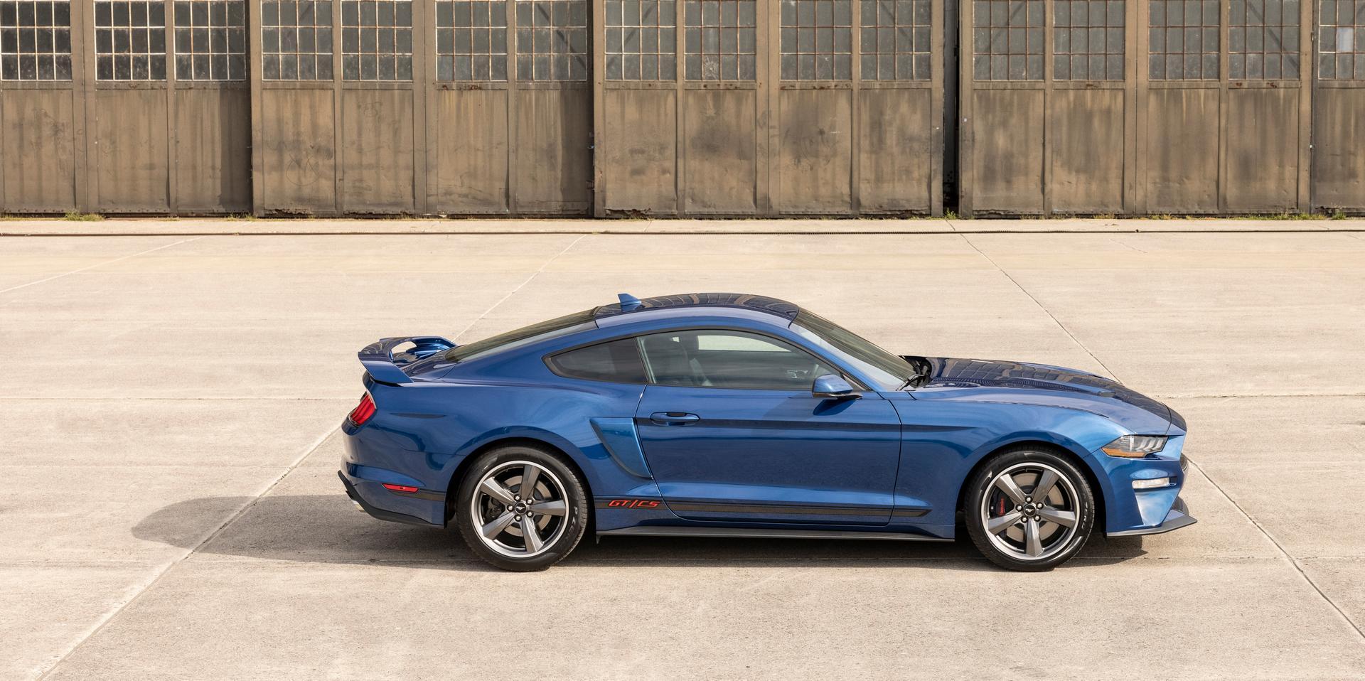 2022 Ford Mustang V8