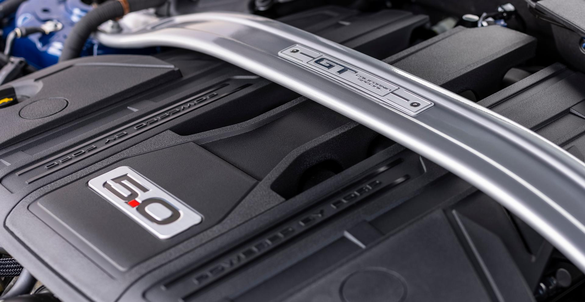 2022 Ford Mustang V8 engine cover