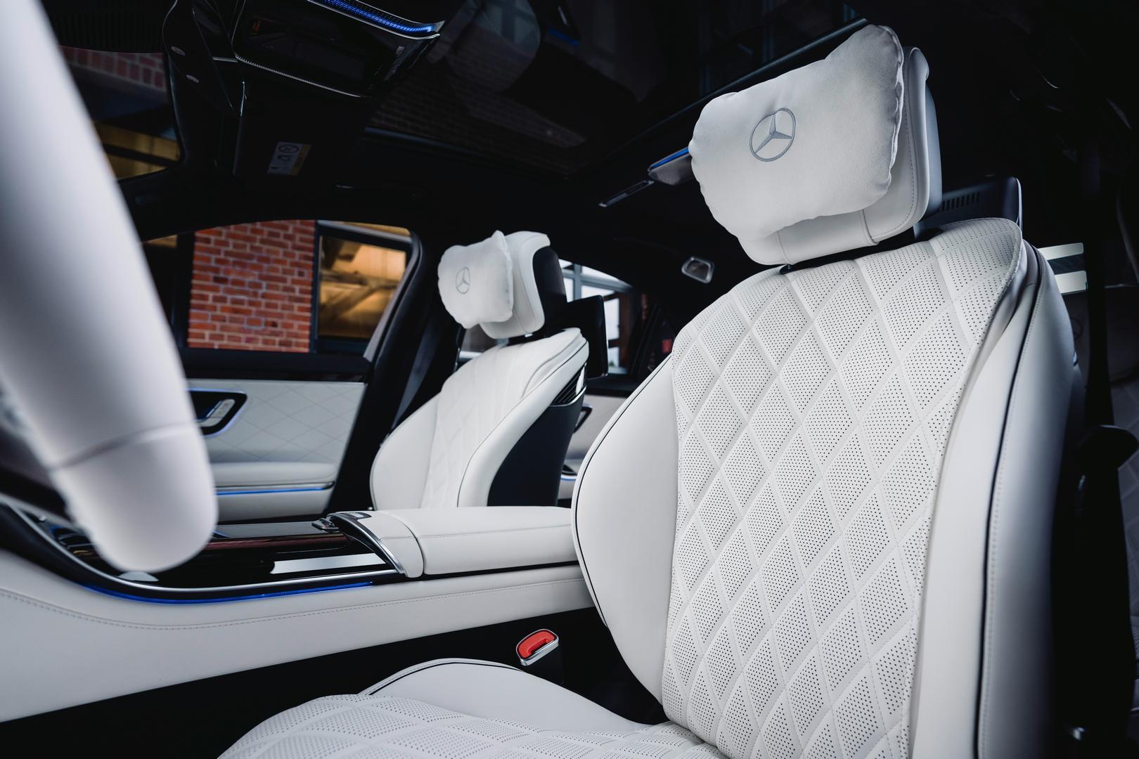 2022 Mercedes-Benz S580 interior