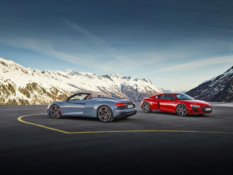 Audi R8 Coupe vs Spyder